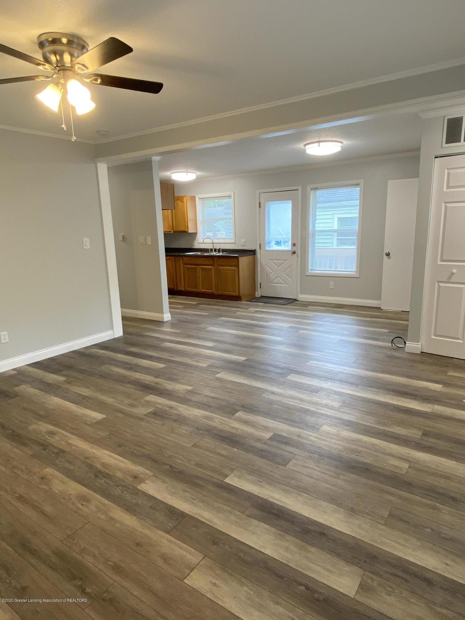 5907 Valencia Blvd - Livingroom - 4