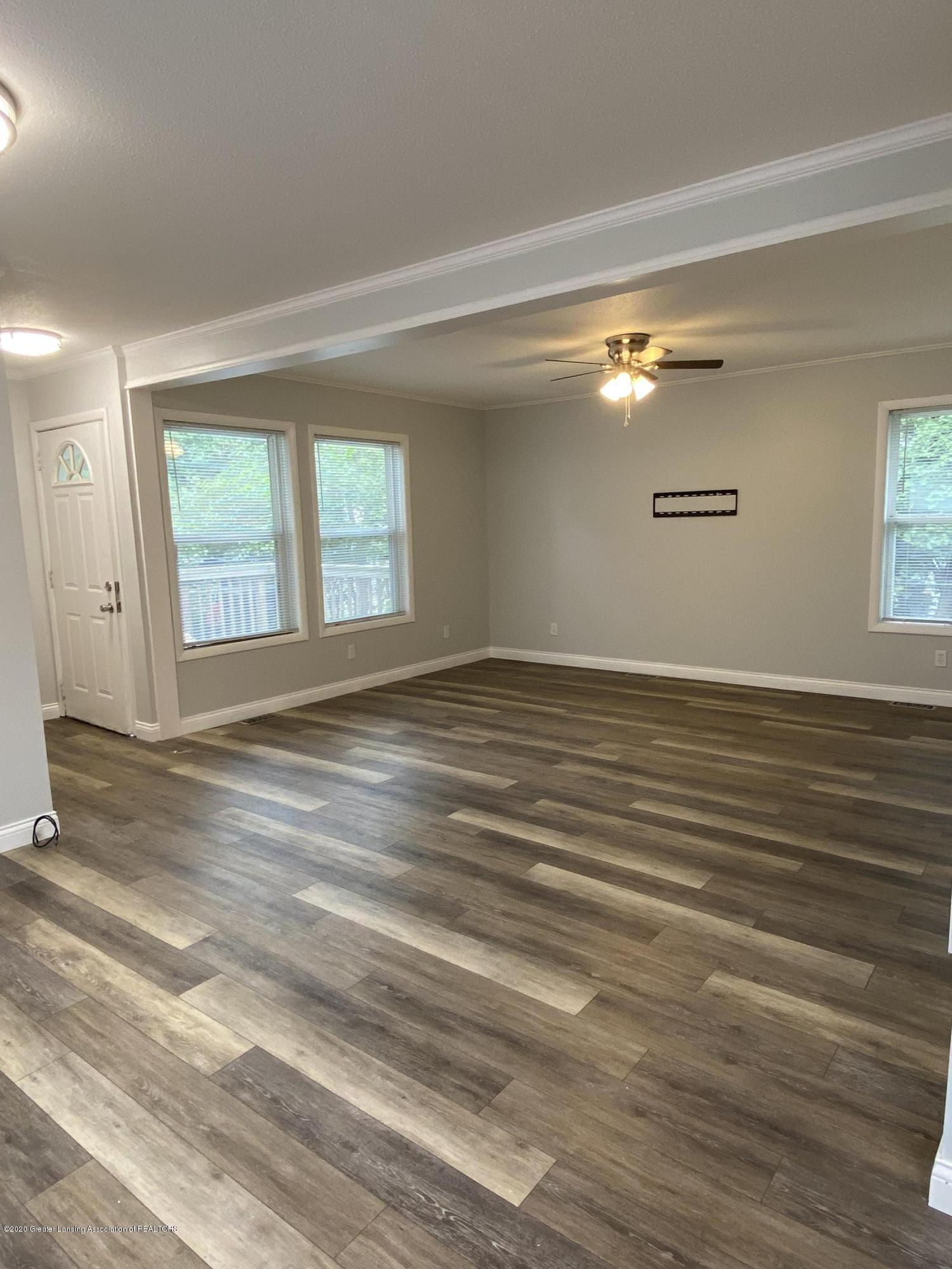 5907 Valencia Blvd - Livingroom - 5