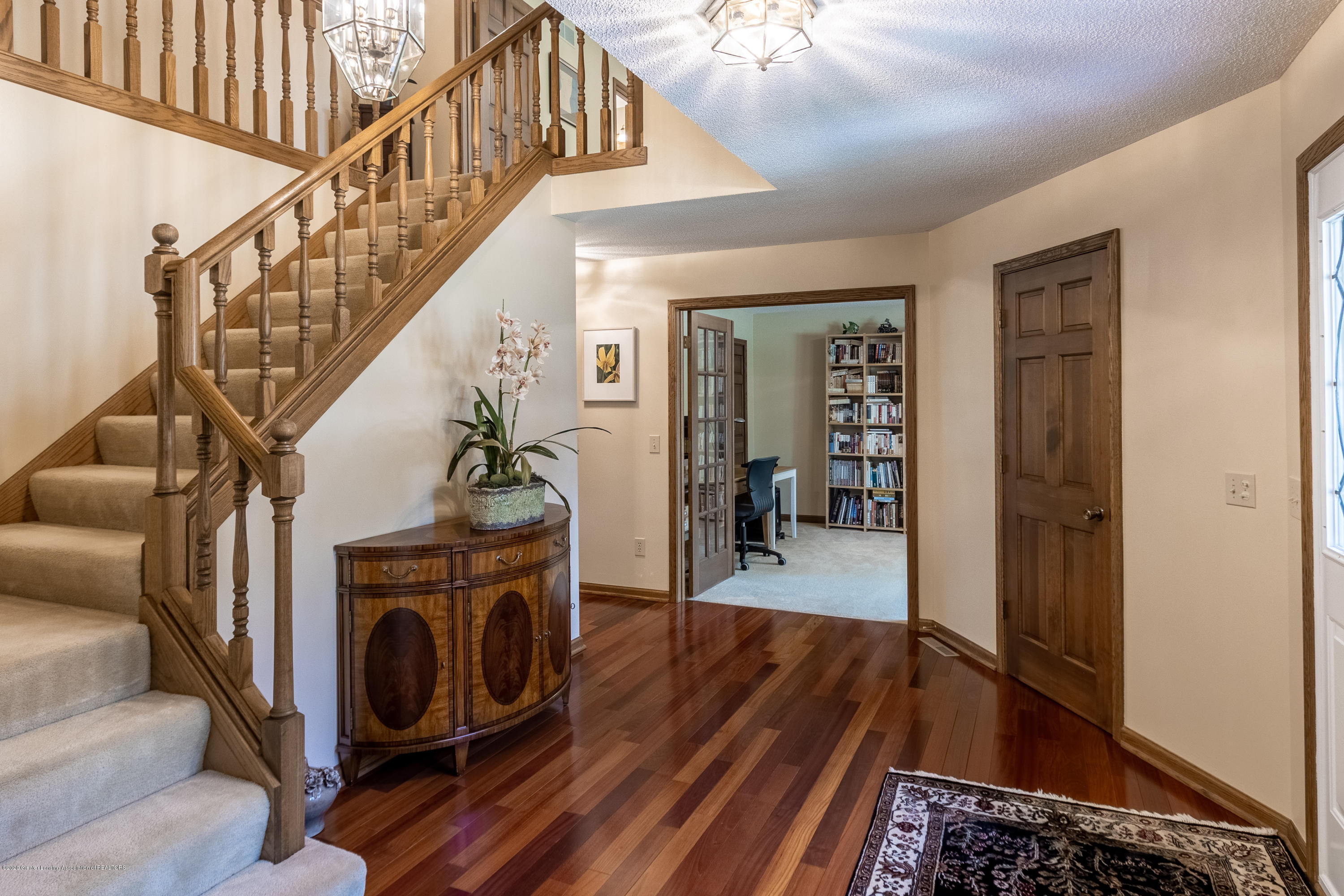 3892 Crooked Creek Rd - Foyer - 17