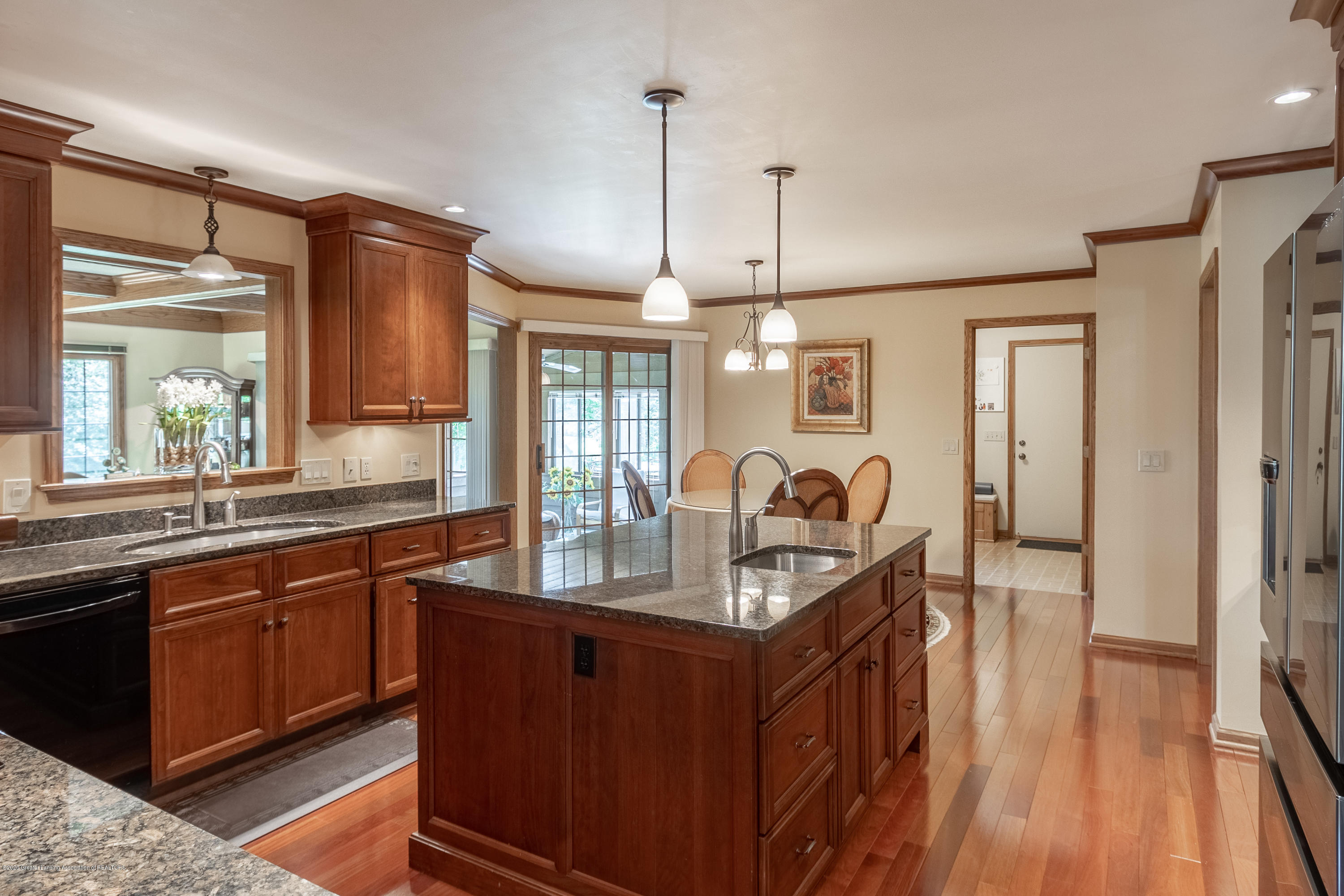 3892 Crooked Creek Rd - Kitchen - 28