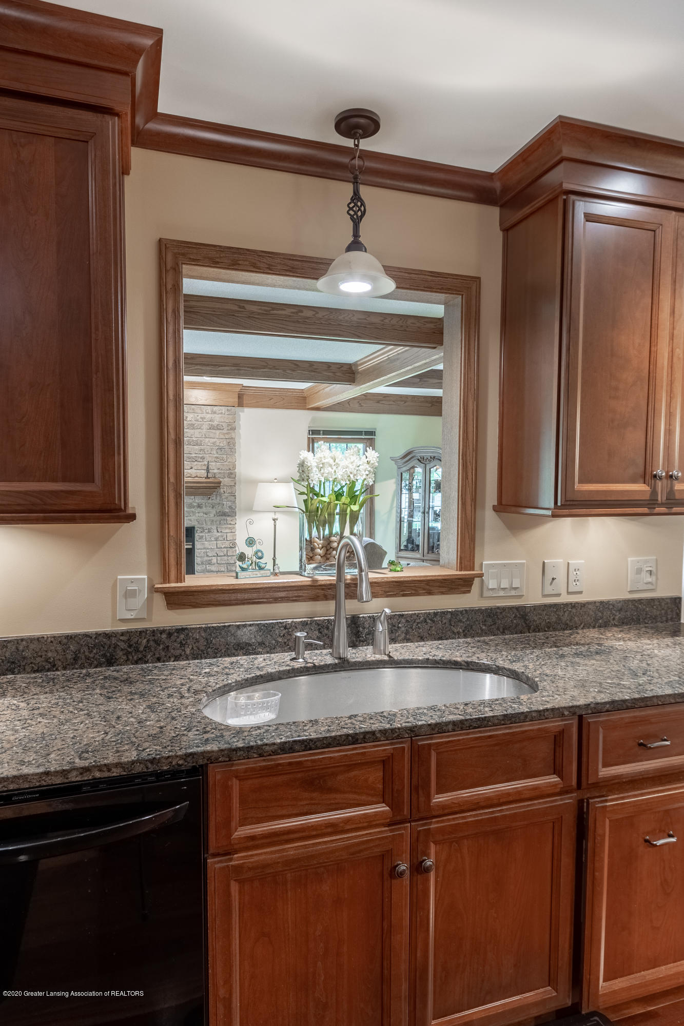 3892 Crooked Creek Rd - Kitchen - 29