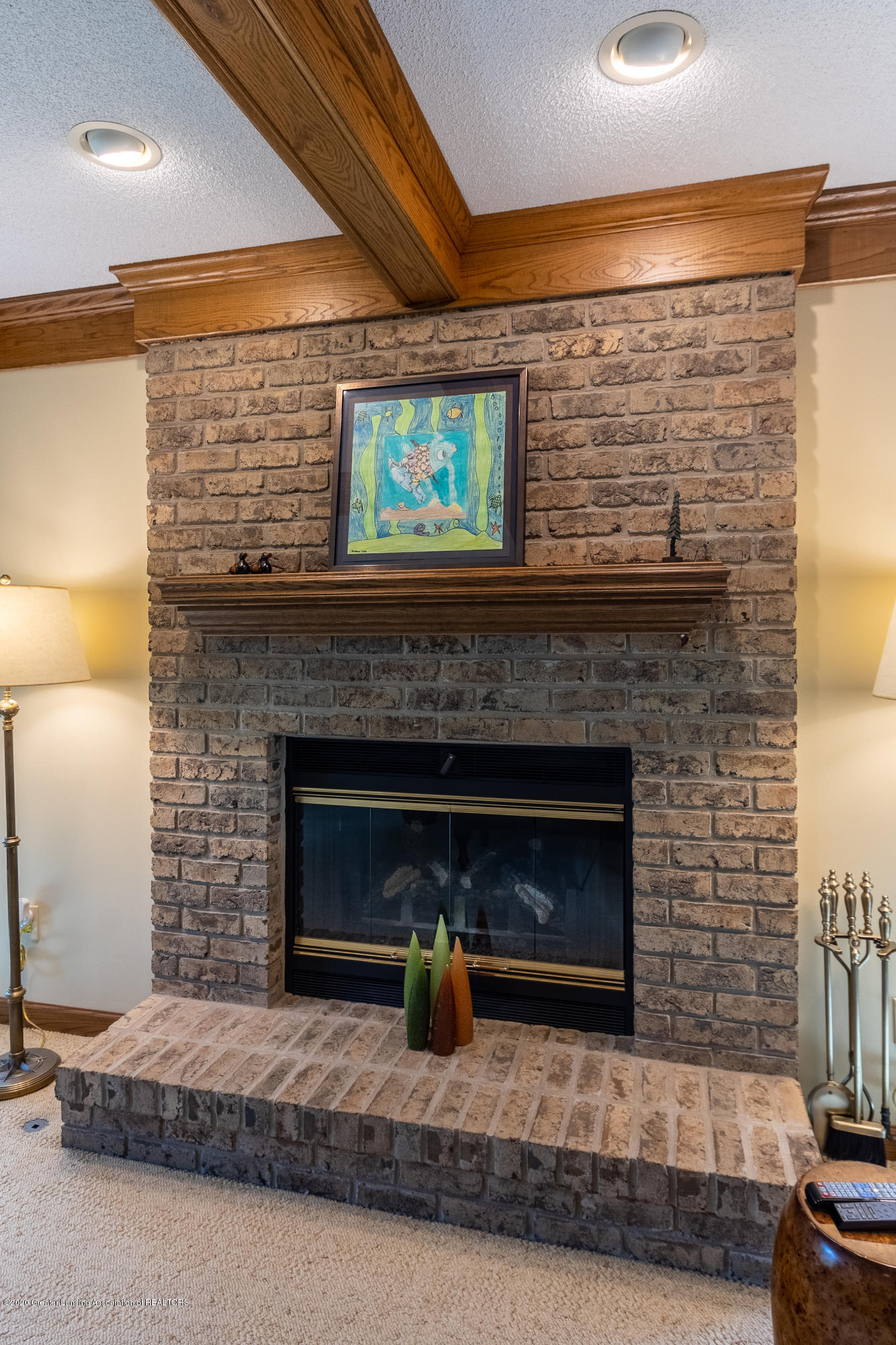 3892 Crooked Creek Rd - Family Room Fireplace - 37