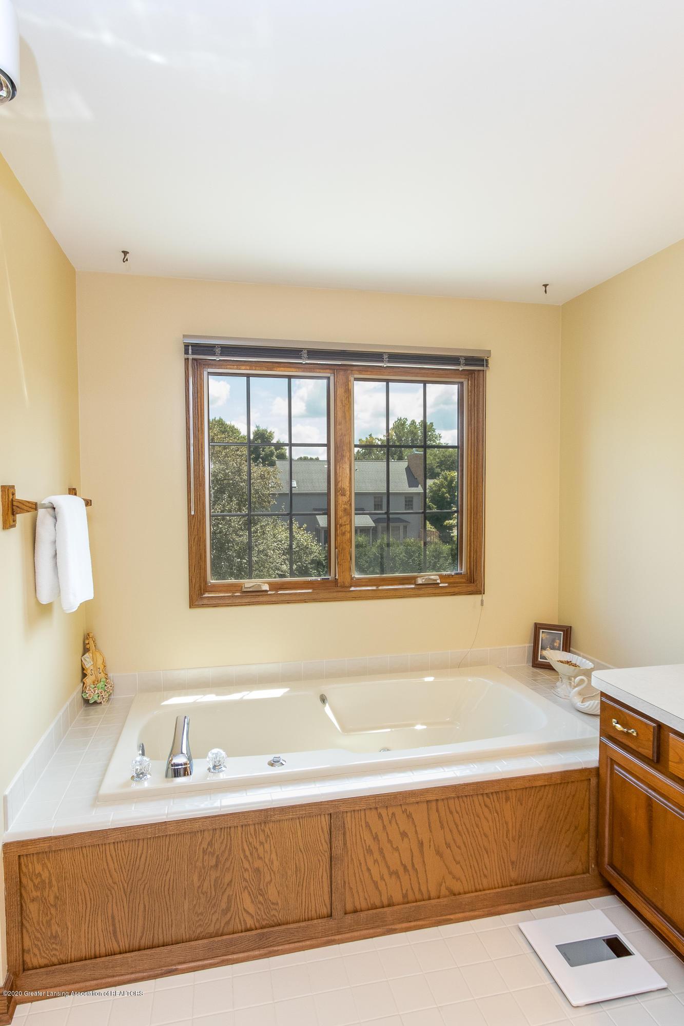 3892 Crooked Creek Rd - Master Bathroom - 62