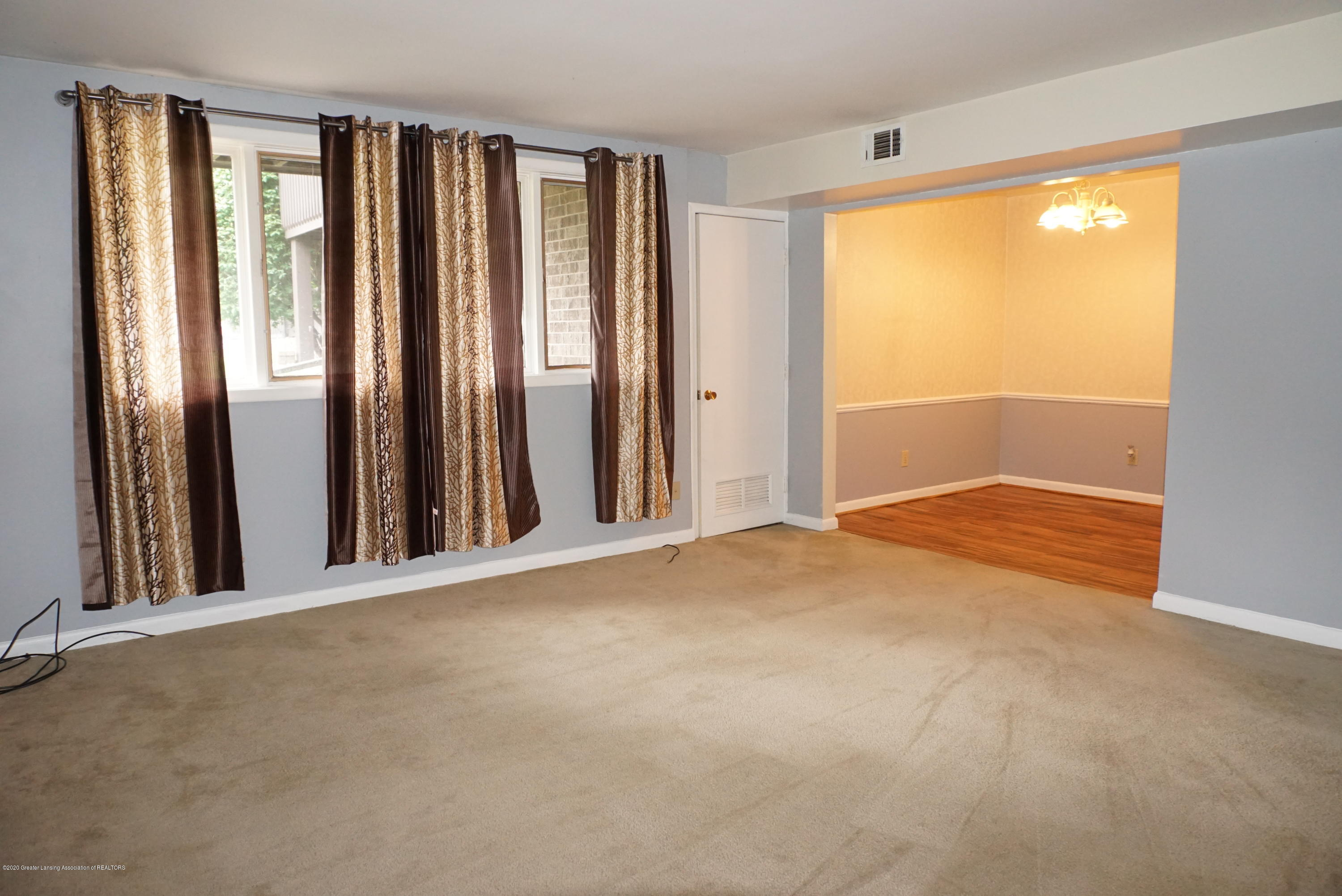 6165 Innkeepers Ct APT 72 - Living/Dining - 8