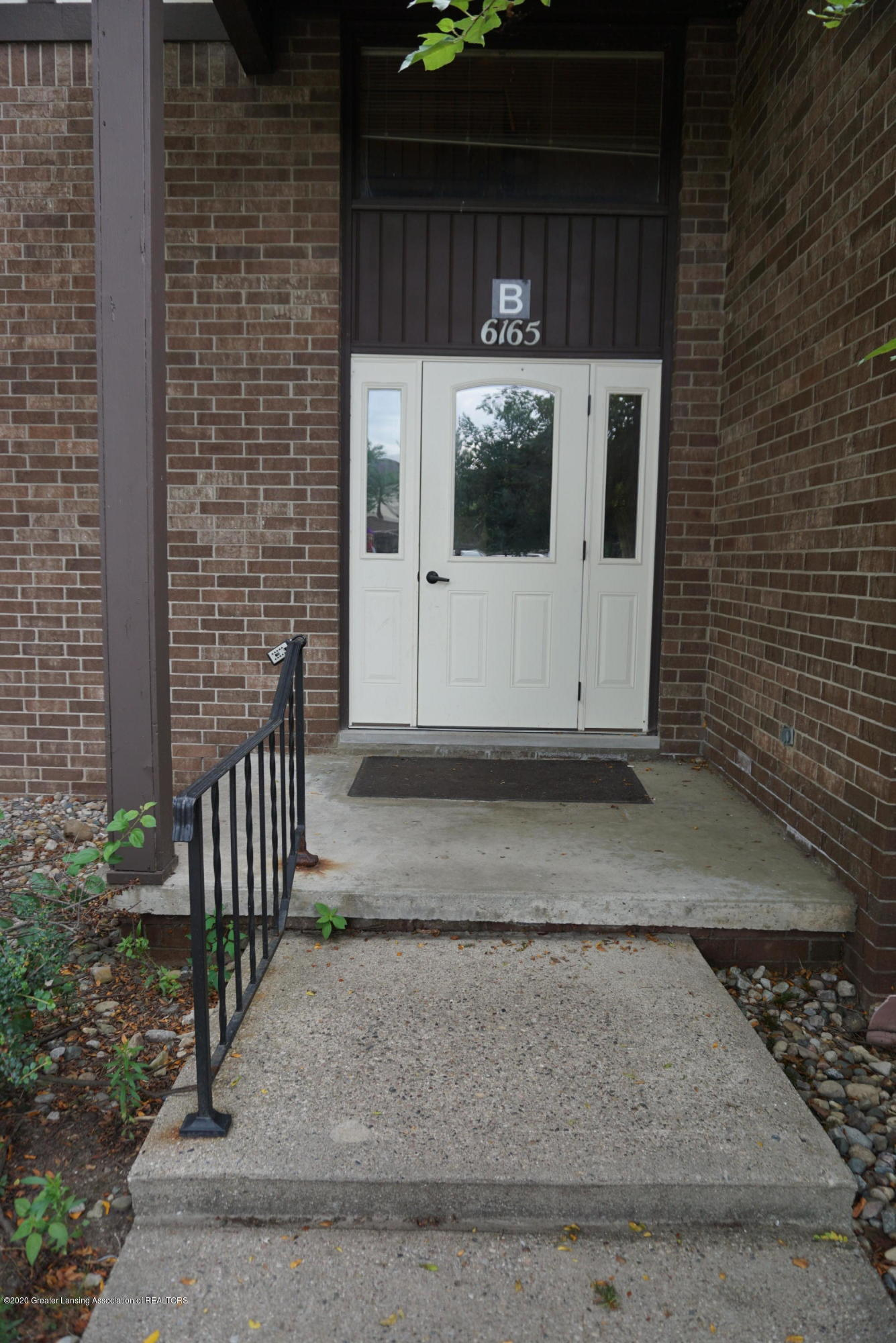 6165 Innkeepers Ct APT 72 - Front entrance - 3