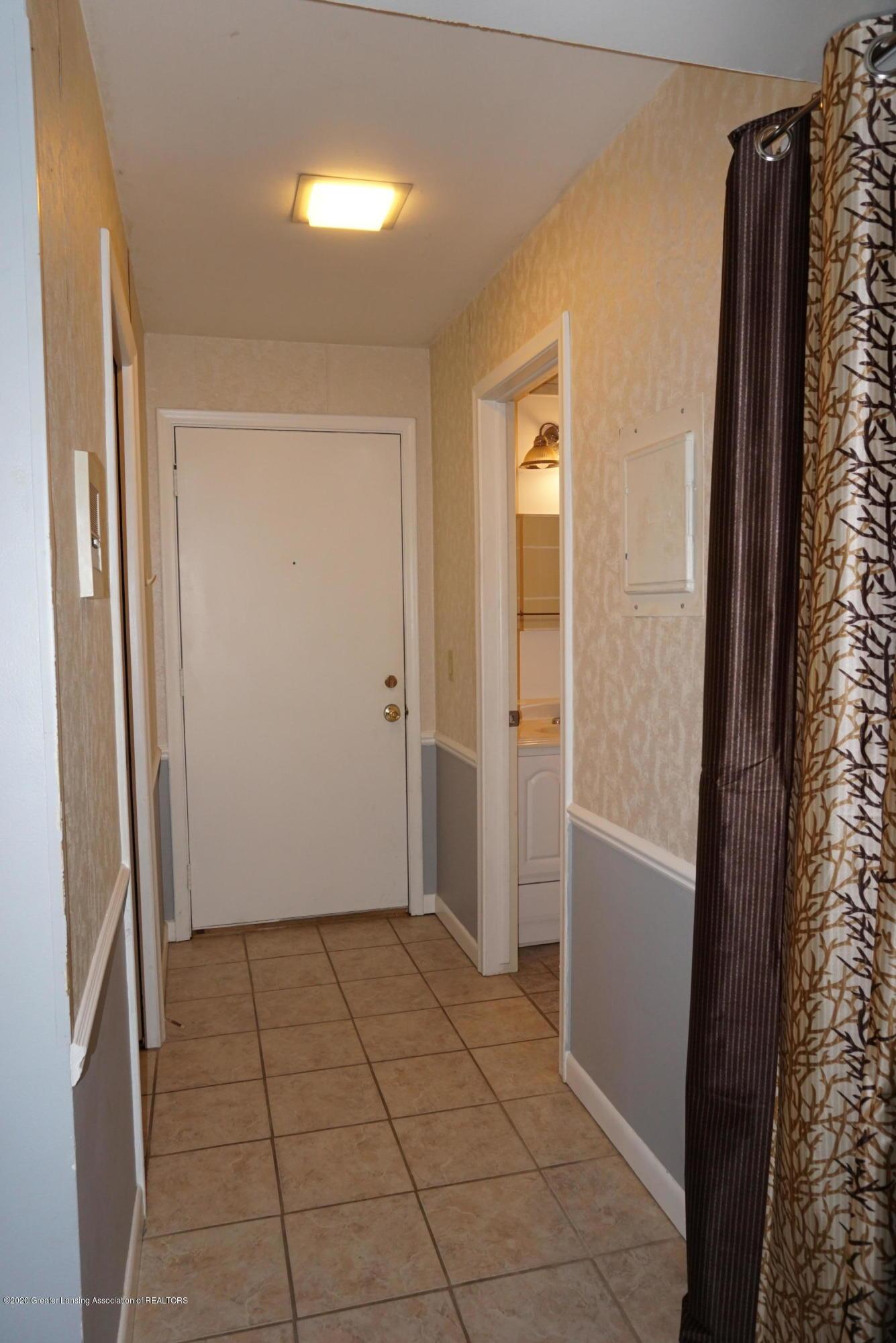 6165 Innkeepers Ct APT 72 - Foyer - 5