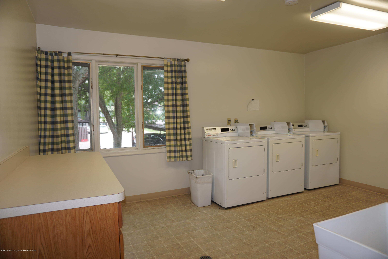 6165 Innkeepers Ct APT 72 - Laundry facilities - 24
