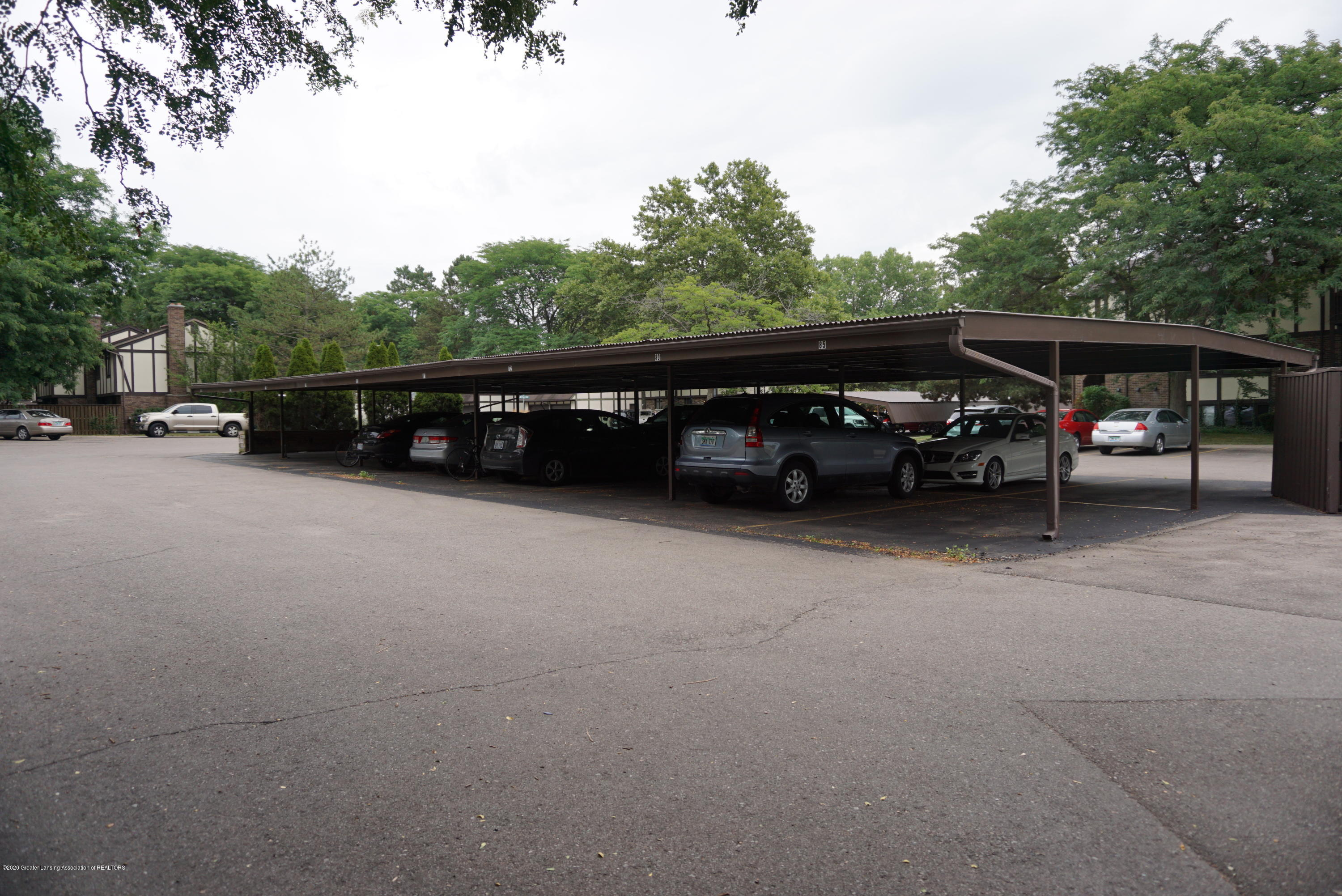 6165 Innkeepers Ct APT 72 - Covered Parking - 33