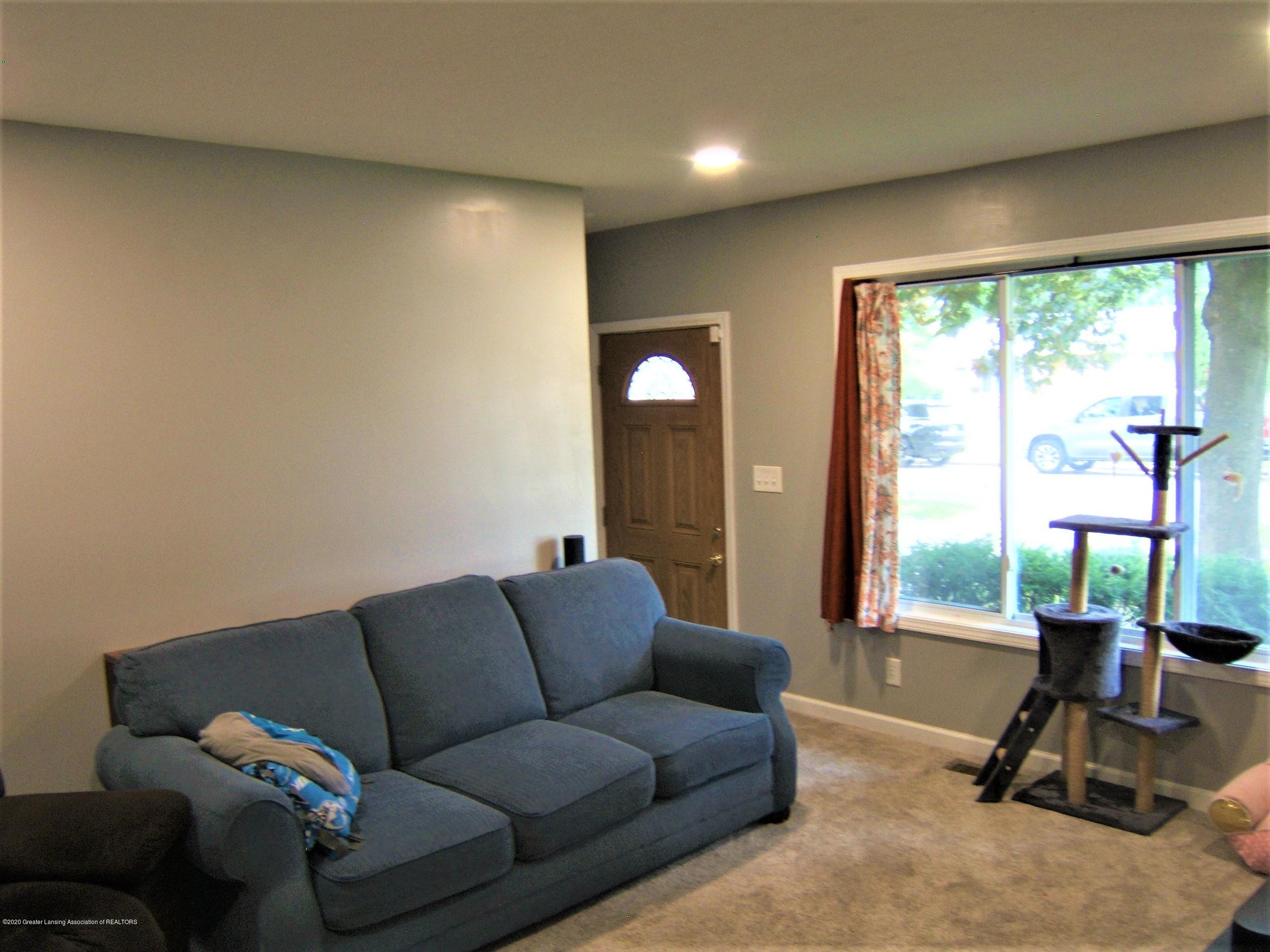3632 Alpine Dr - Living Room - 11