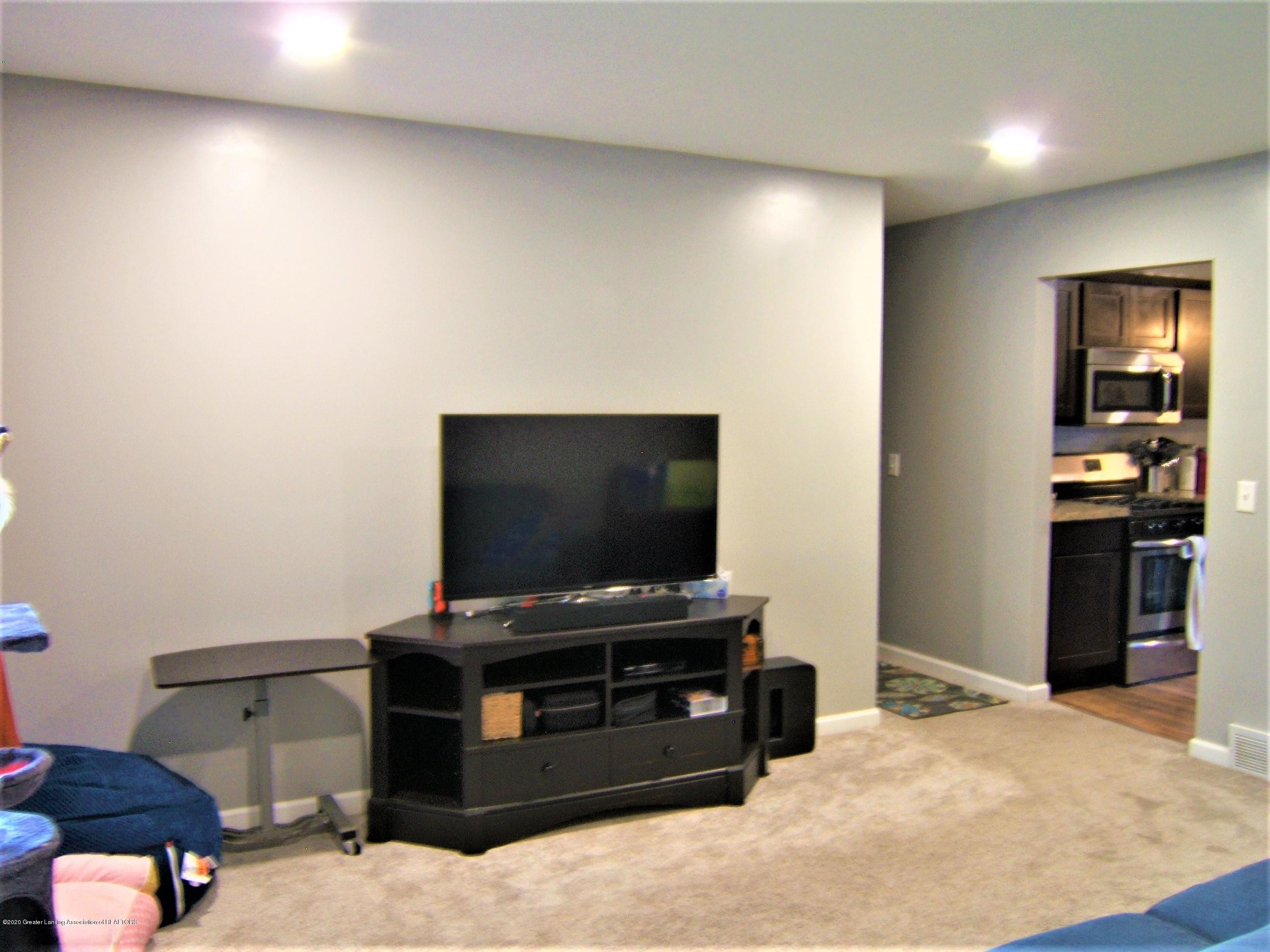 3632 Alpine Dr - Living Room - 12