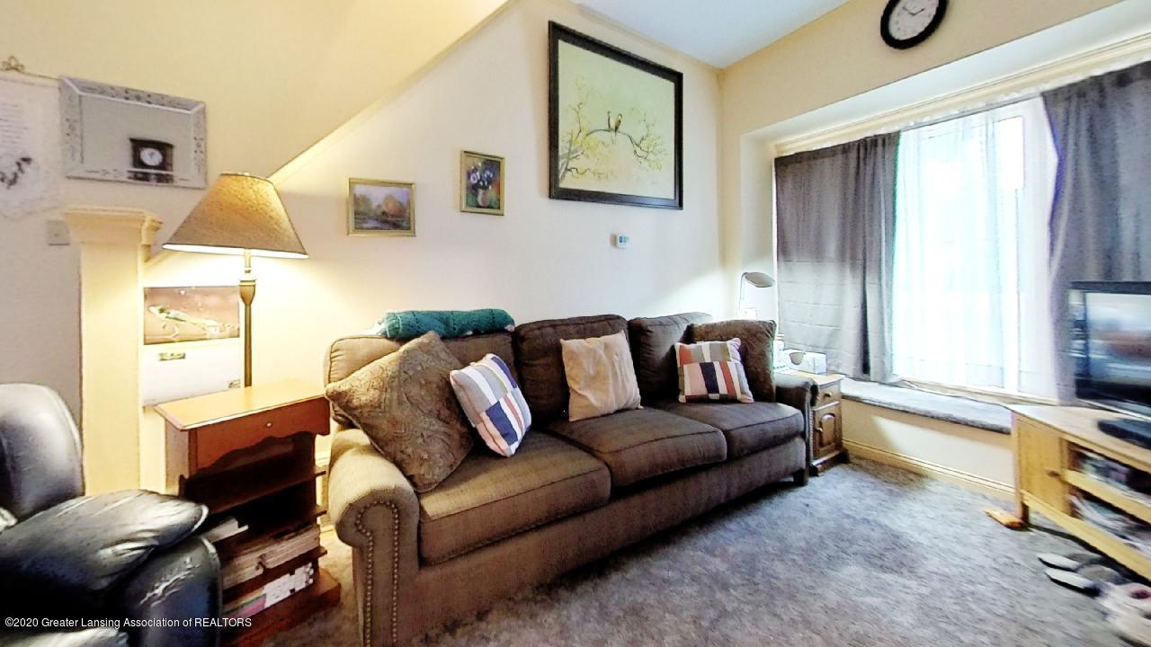 1012 Lansing Ave - 1012-Lansing-Ave-Living-Room - 3