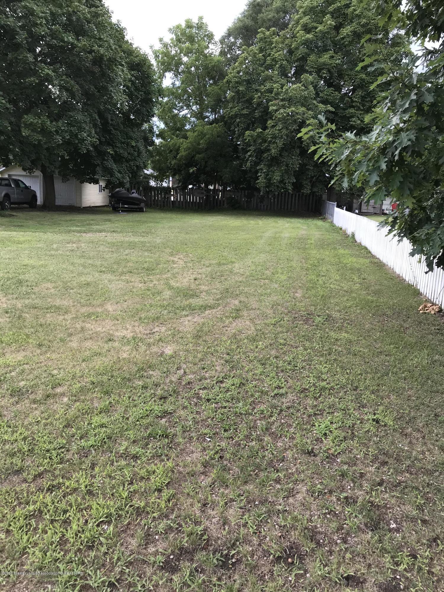 1012 Lansing Ave - image2 - 13