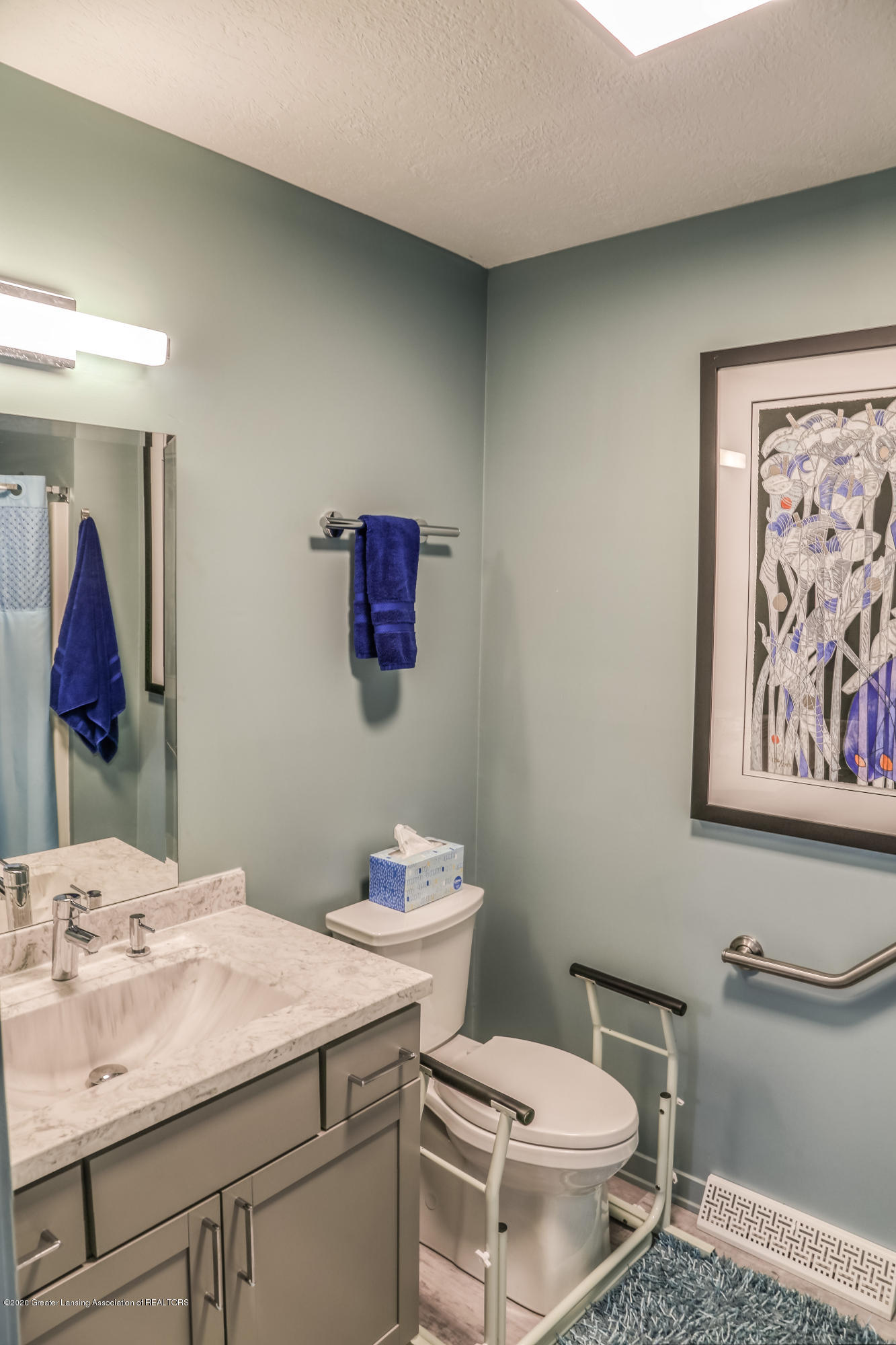 5307 E Hidden Lake Dr - Bathroom - 17