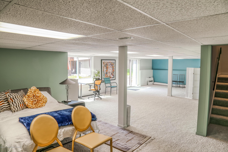 5307 E Hidden Lake Dr - Family Room - 23