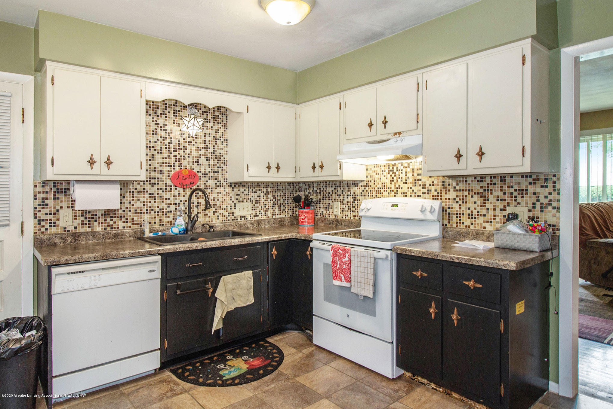 6022 Kyes Rd - IMG_0807 - 6