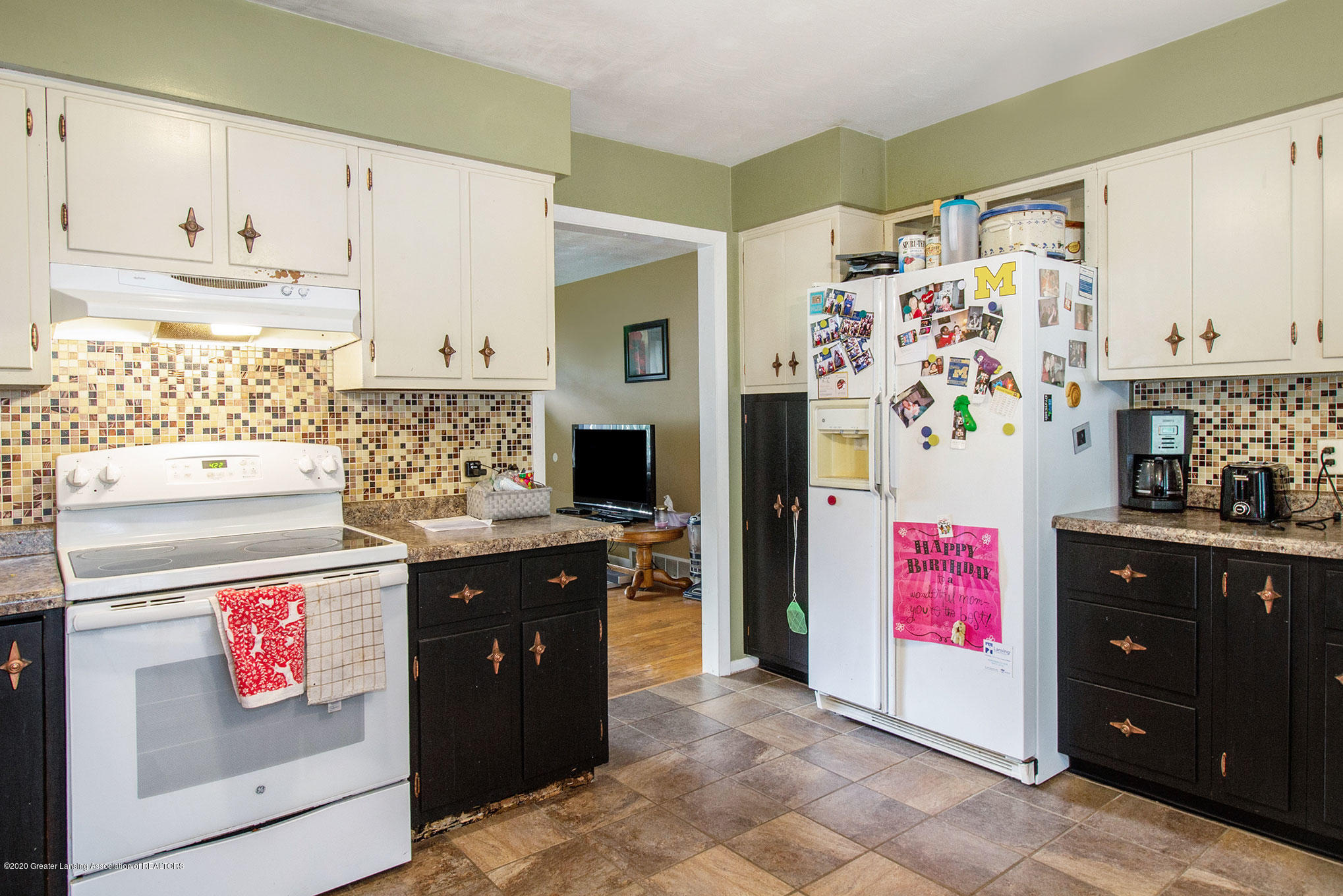 6022 Kyes Rd - IMG_0809 - 7