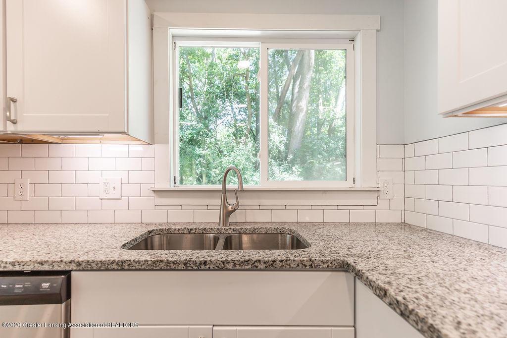 4706 Cornell Rd - Kitchen - 8