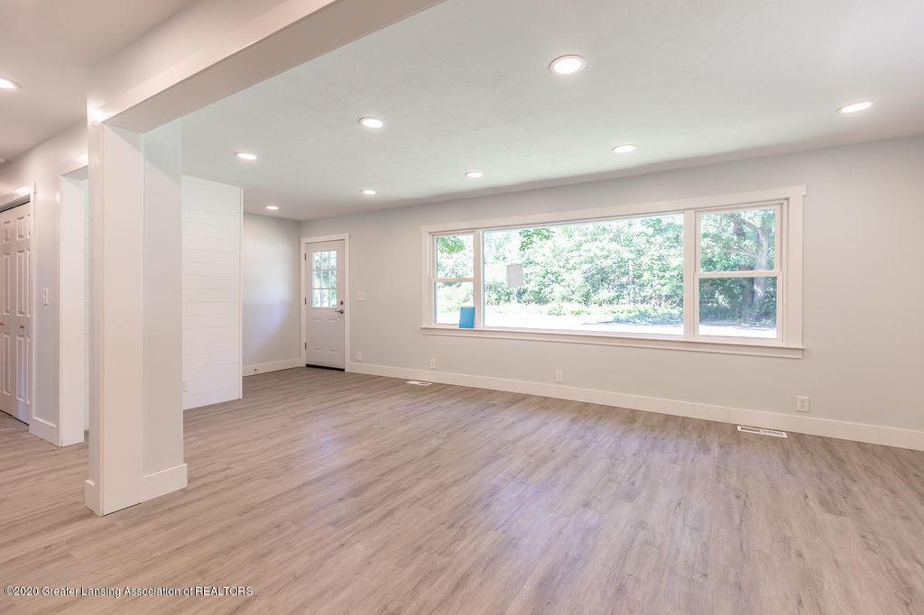 4706 Cornell Rd - Living Room - 4