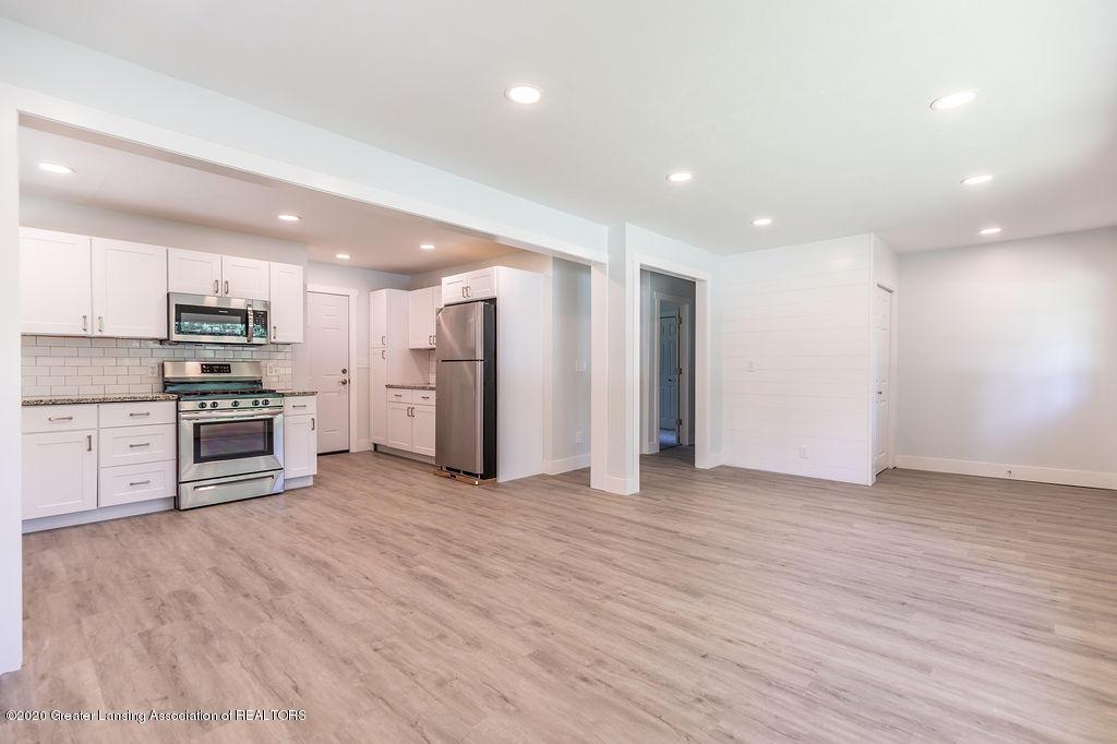 4706 Cornell Rd - Living Room - 3