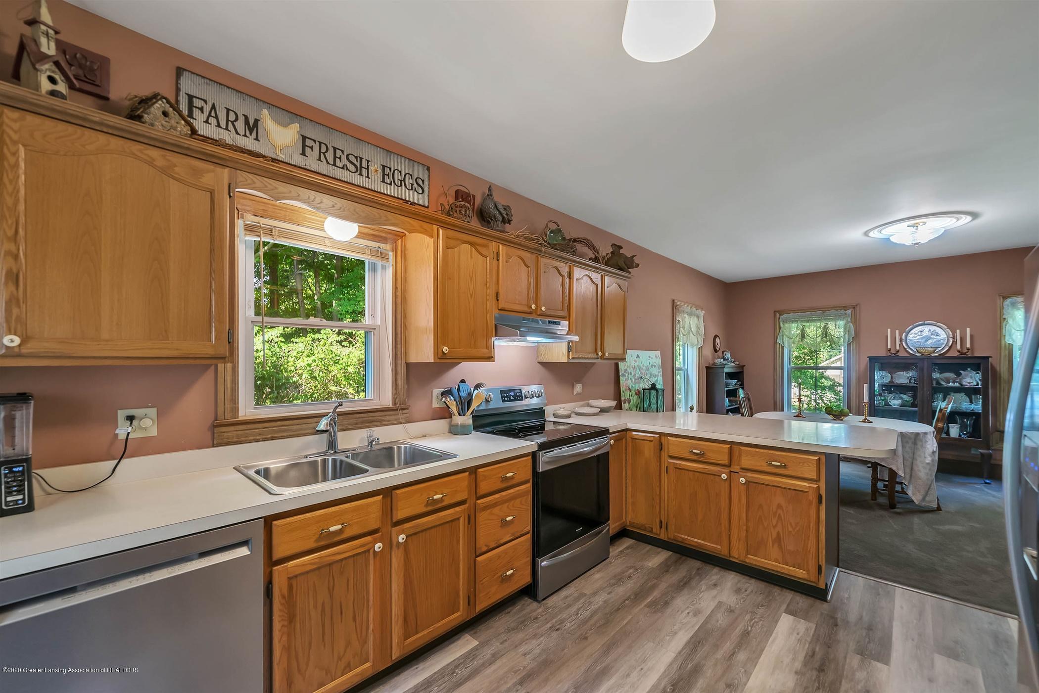 518 S Smith Rd - (4.1) MAIN FLOOR Kitchen - 5
