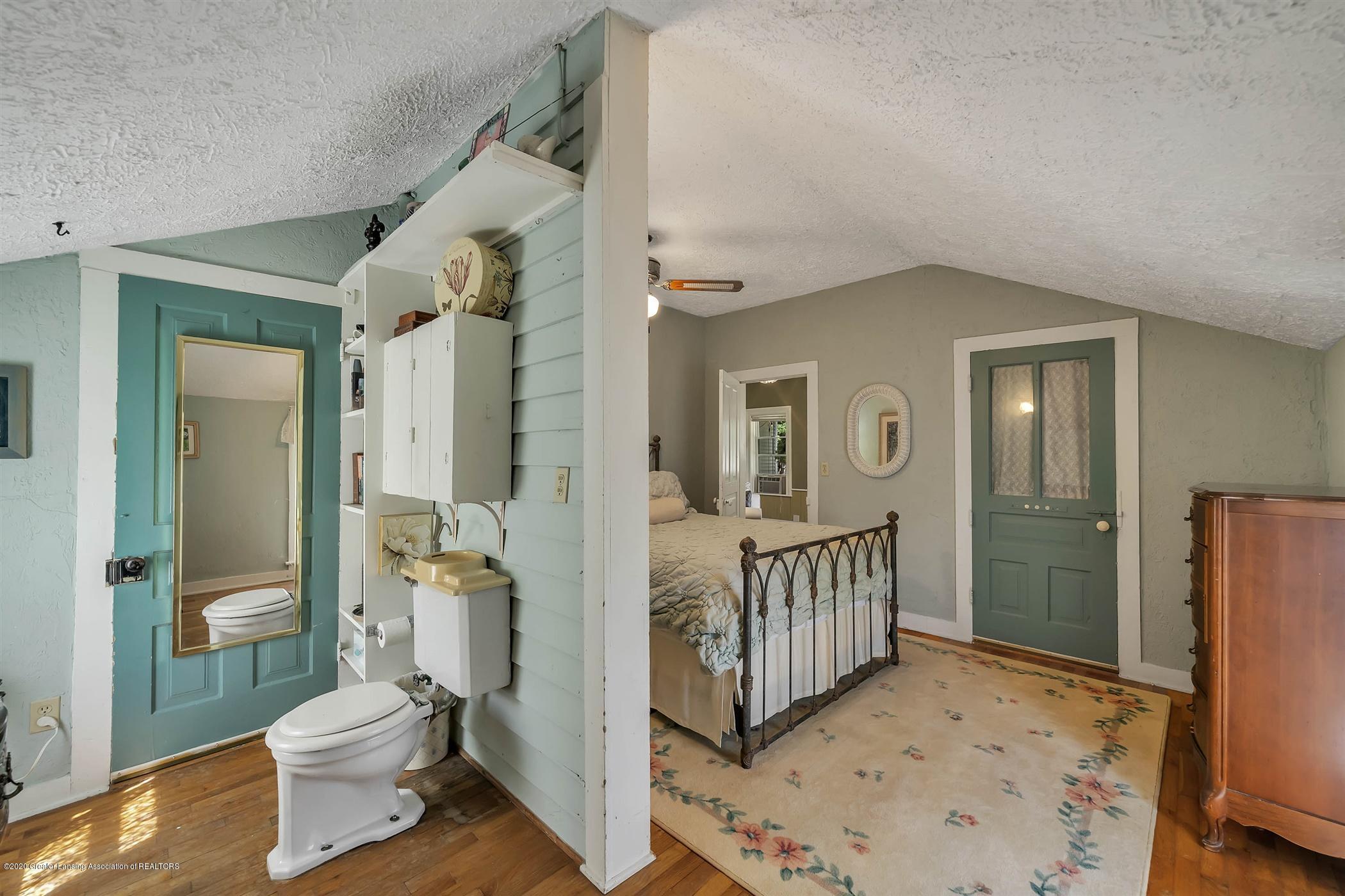518 S Smith Rd - (5) MAIN FLOOR Master Bedroom - 6