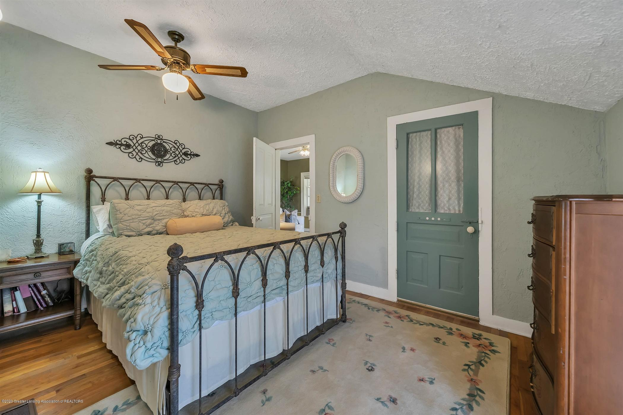 518 S Smith Rd - (15) MAIN FLOOR Master Bedroom - 16