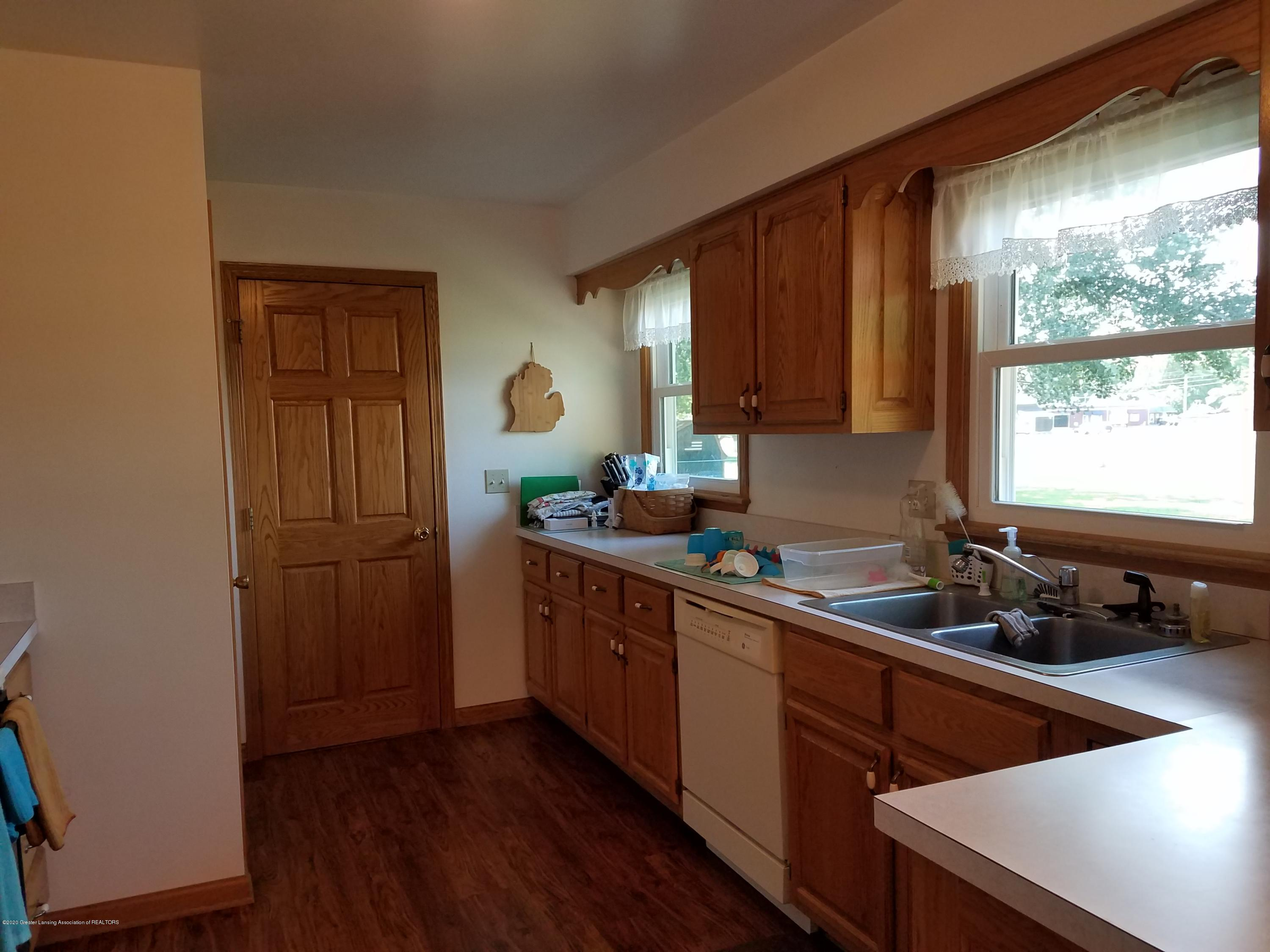 1009 E Cass St - Kitchen - 2
