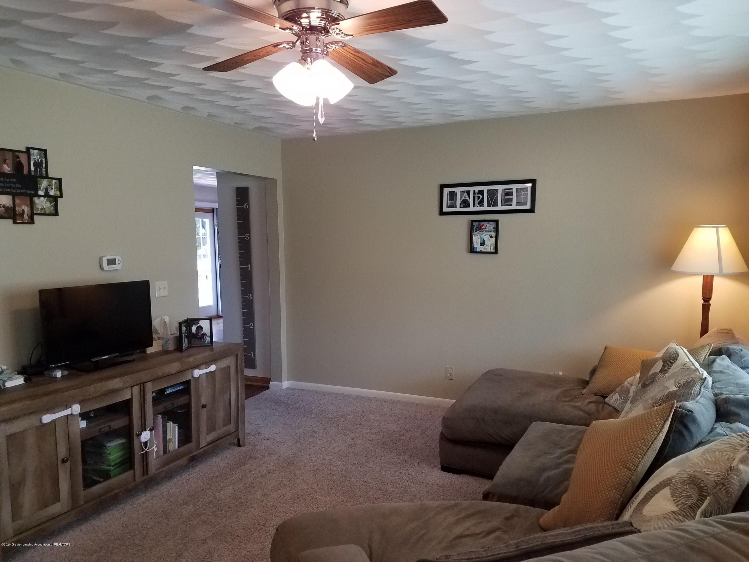 1009 E Cass St - Living Room - 11