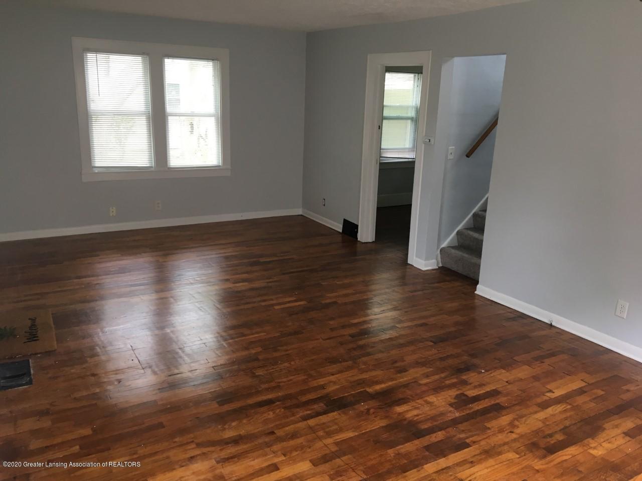 715 Emily Ave - 715 Emily Livingroom 1 - 4