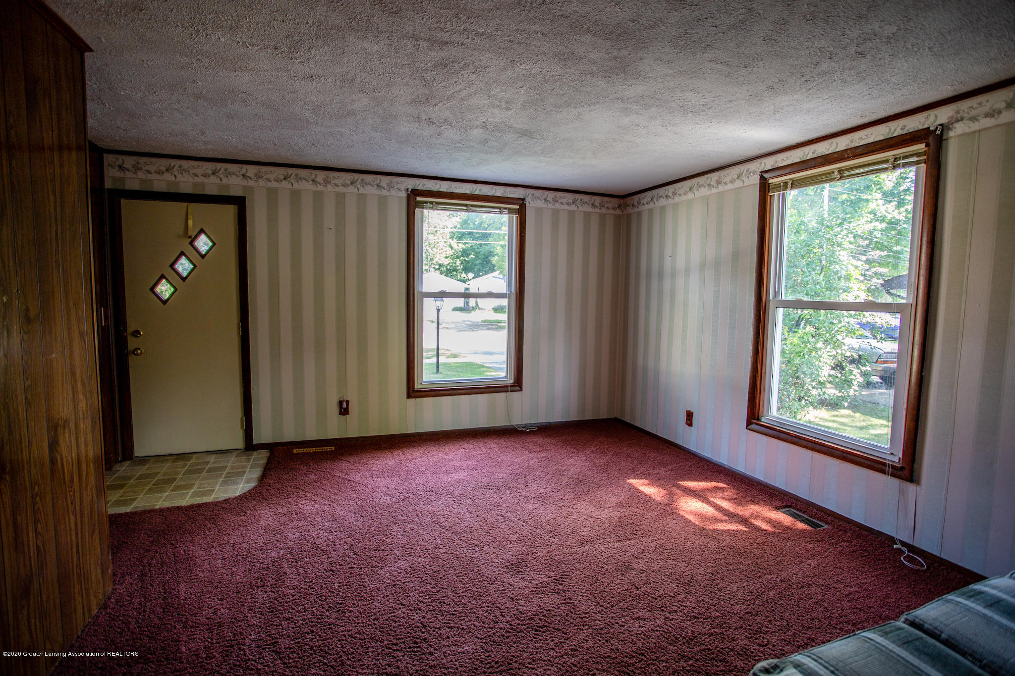 223 W Quincy St - 223 W. Quincy Living Room - 7