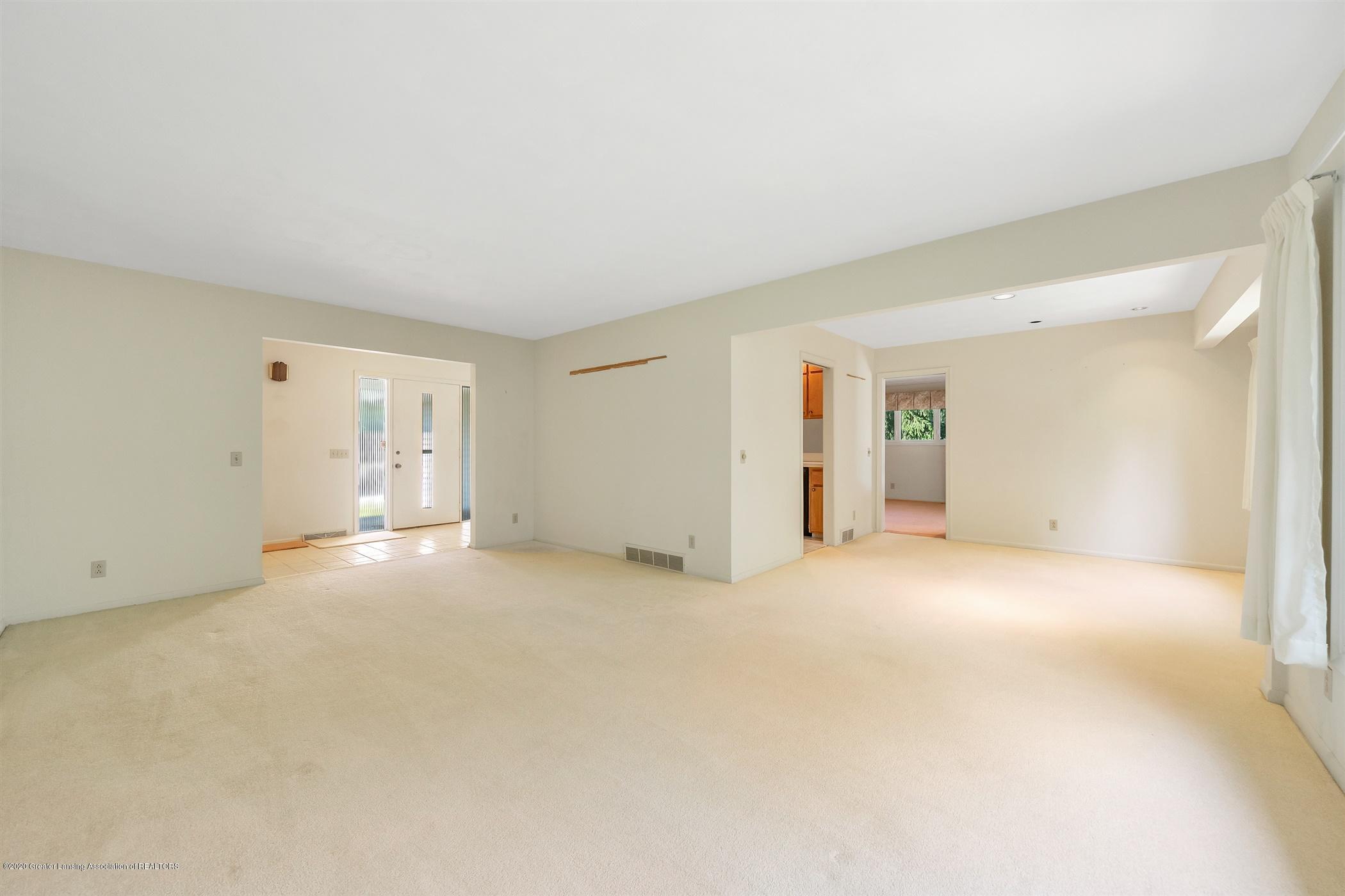 2150 Arundel Pl - (4) MAIN FLOOR Living Room - 5