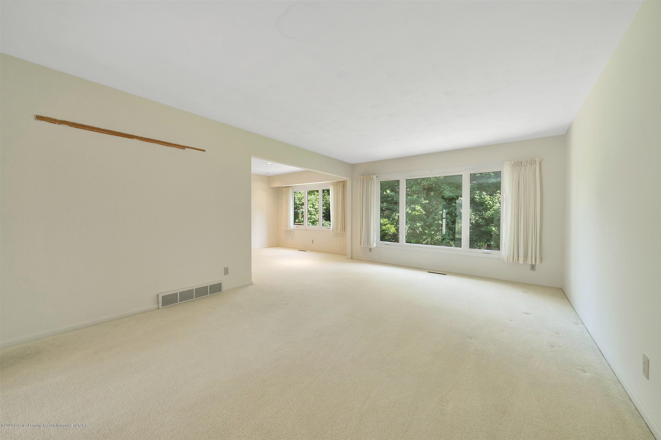 2150 Arundel Pl - (5) MAIN FLOOR Living Room - 6