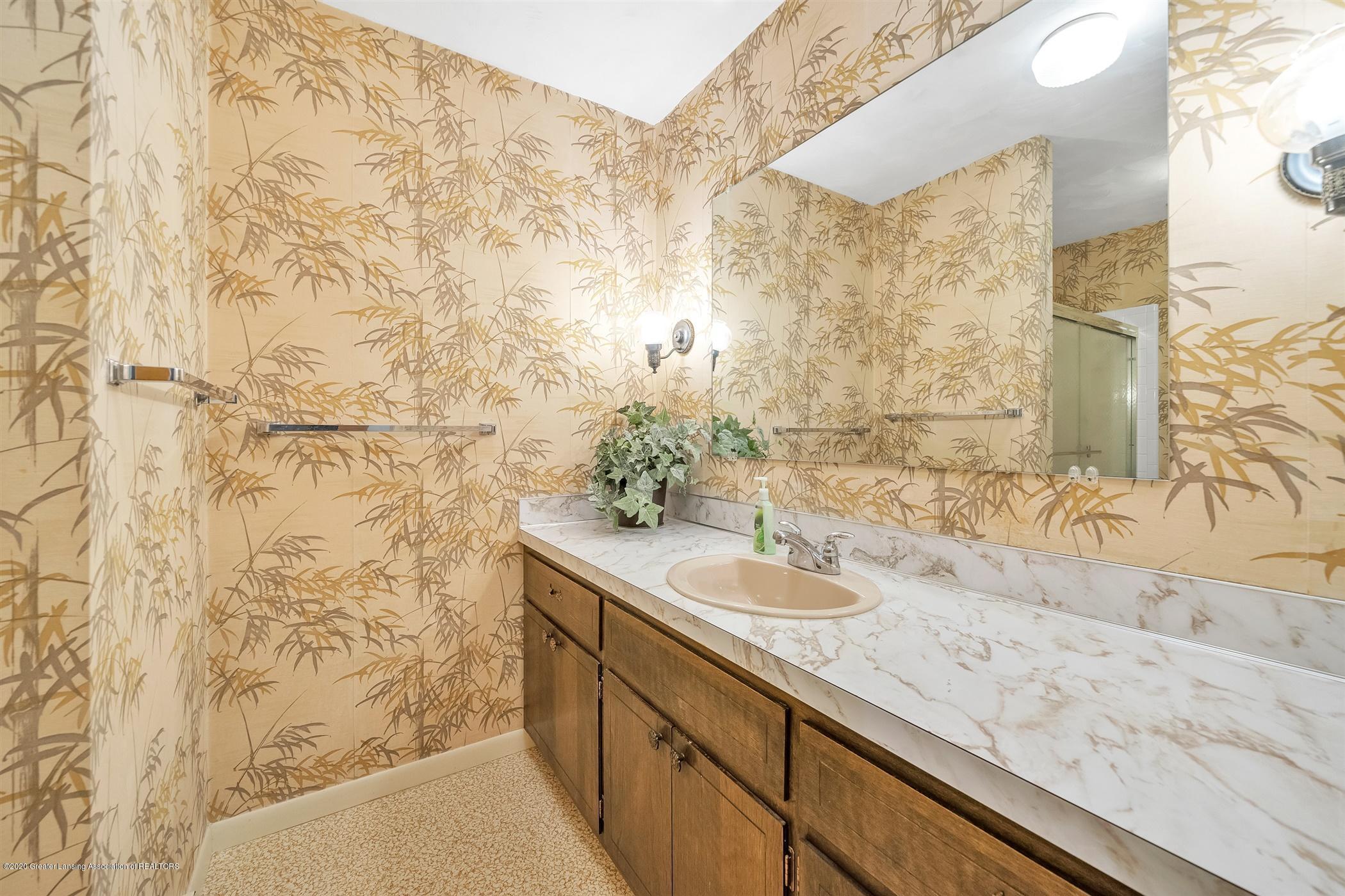 2150 Arundel Pl - (19) MAIN FLOOR Full Bathroom - 20