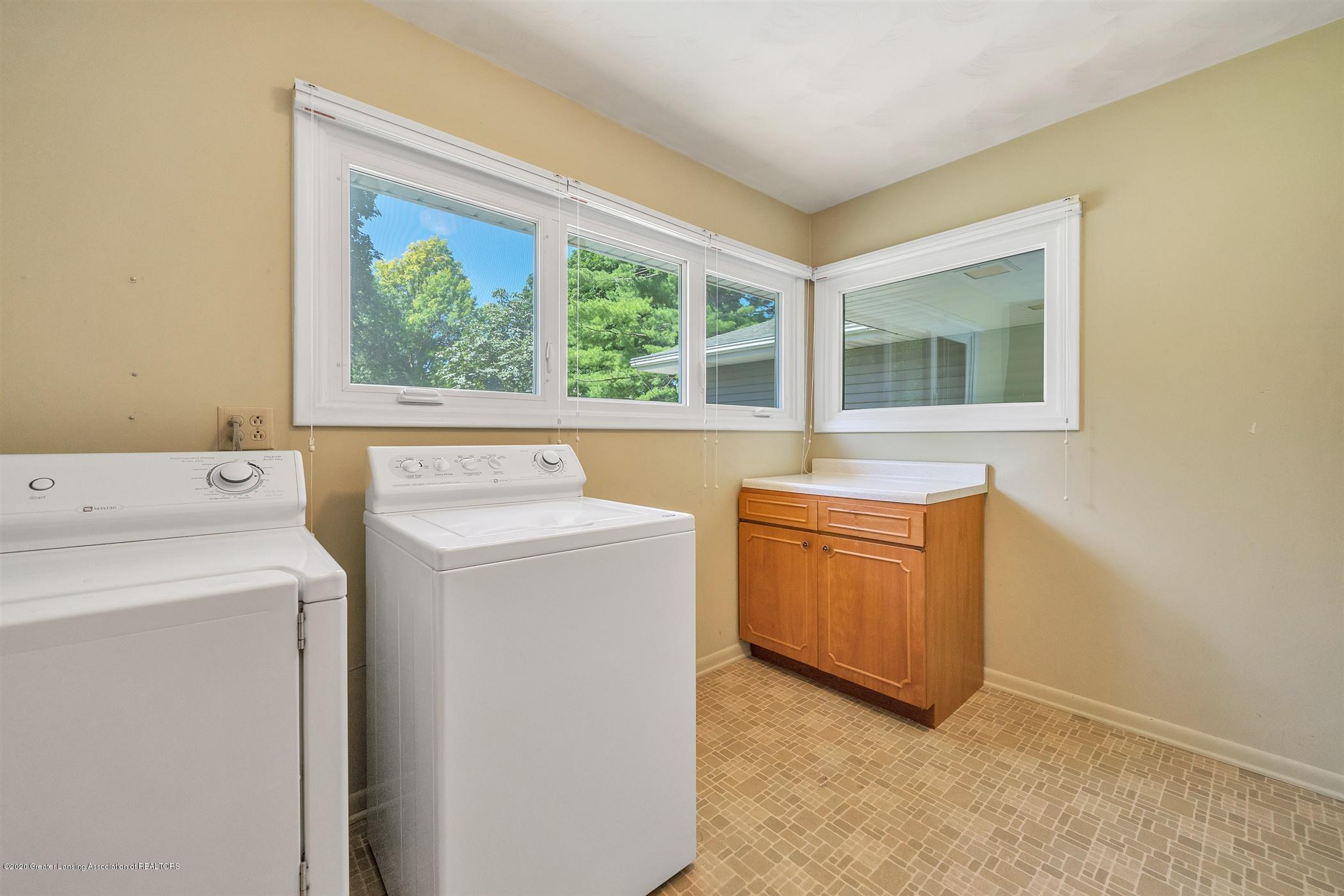 2150 Arundel Pl - (22.1) MAIN FLOOR Laundry Room - 24
