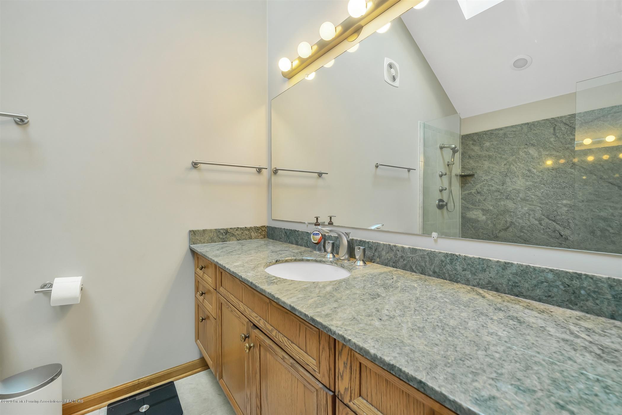 2275 Bravender Rd - SECOND FLOOR Master Bathroom - 22