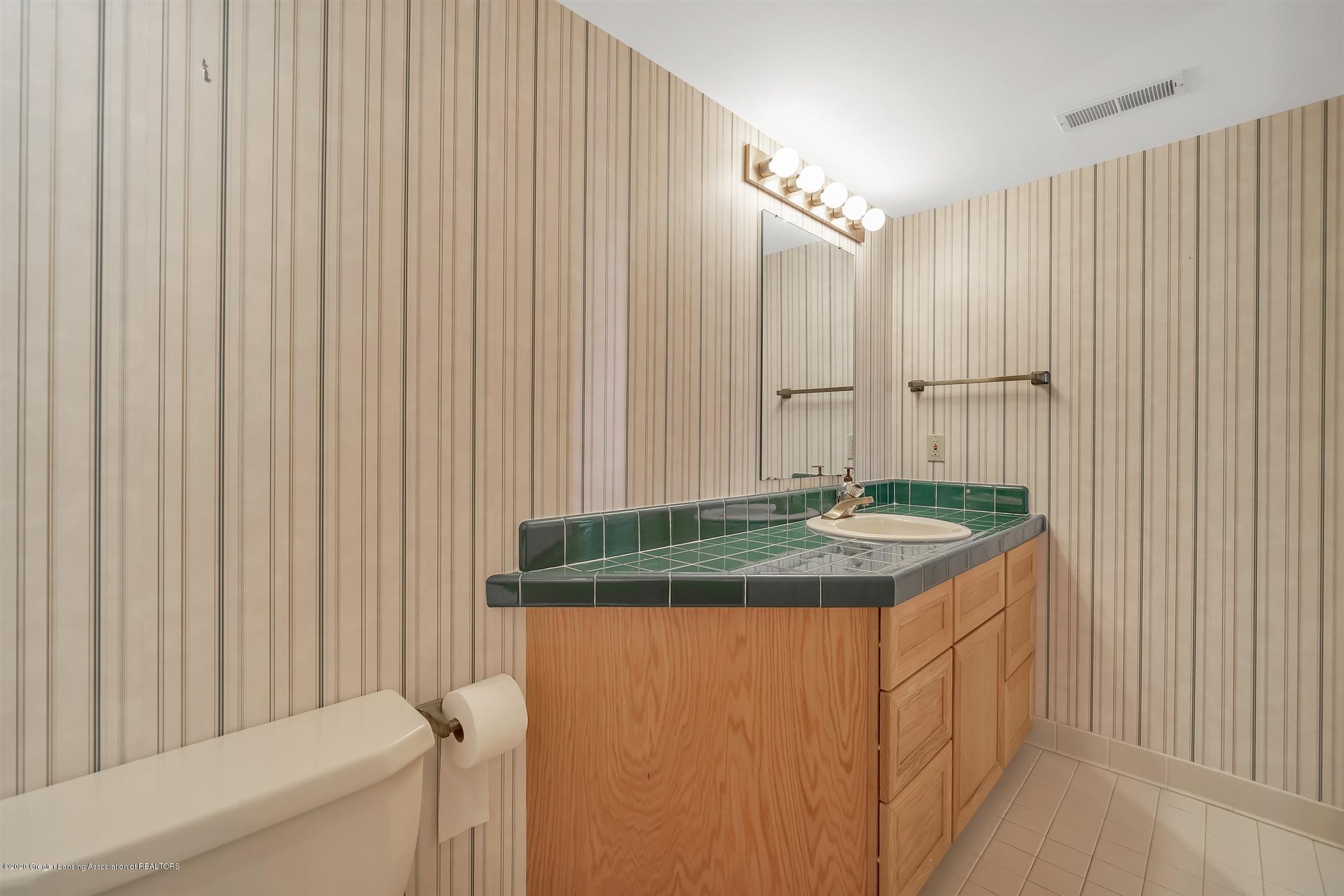 2275 Bravender Rd - LOWER LEVEL Full Bathroom - 36