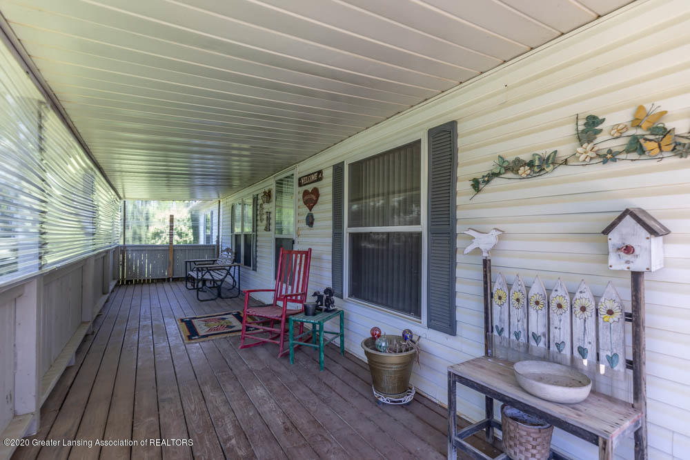 6977 S St Clair Rd - Front Porch - 2
