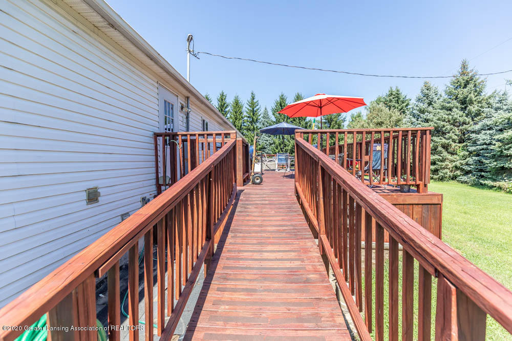 6977 S St Clair Rd - Back Deck - 26