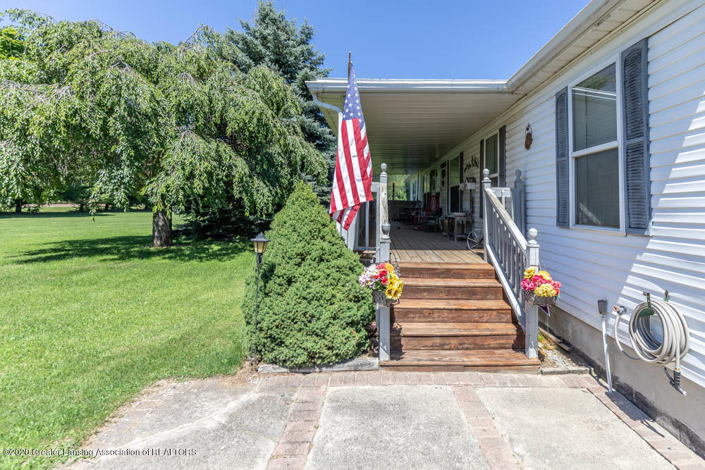 6977 S St Clair Rd - Front Porch - 35