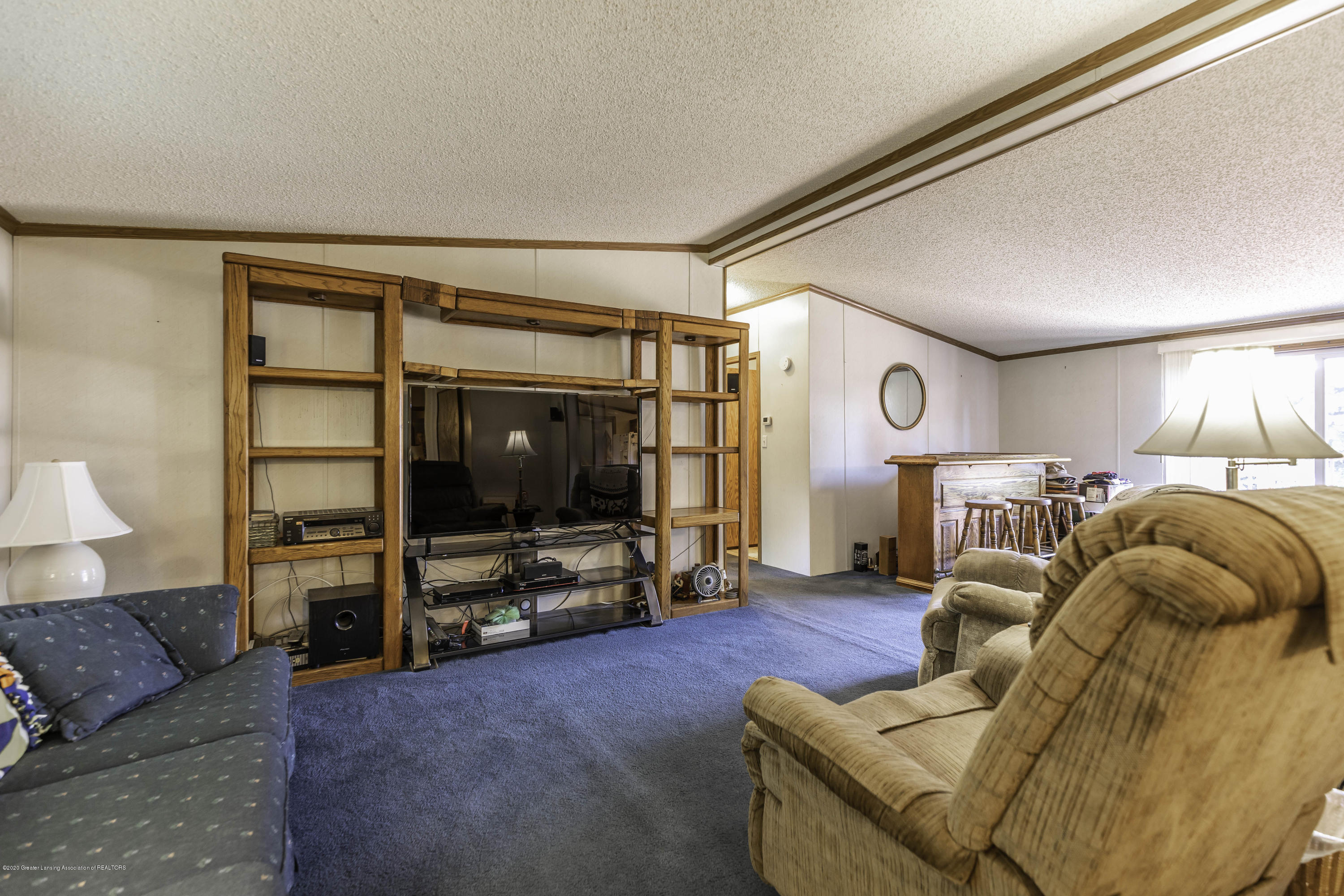 6977 S St Clair Rd - Living Room - 4