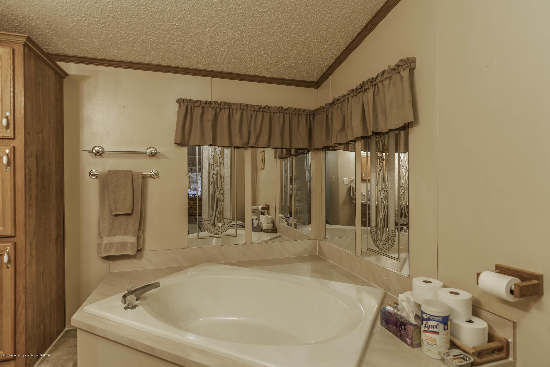 6977 S St Clair Rd - Master Bath - 18