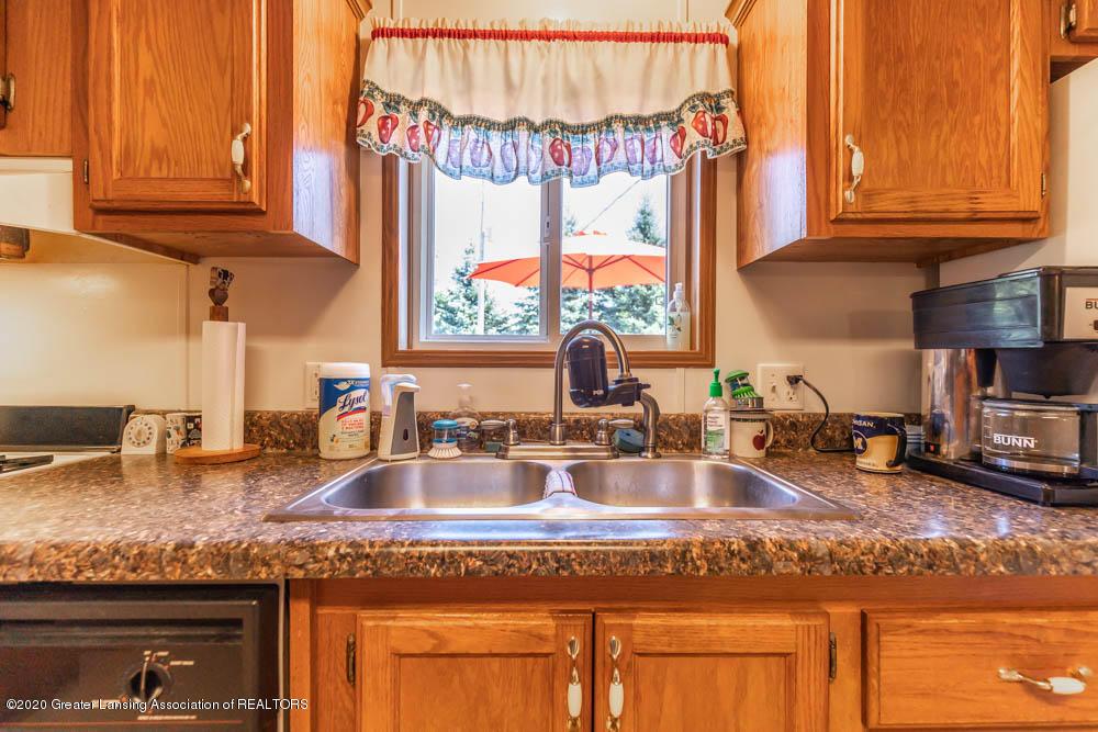 6977 S St Clair Rd - Kitchen - 11