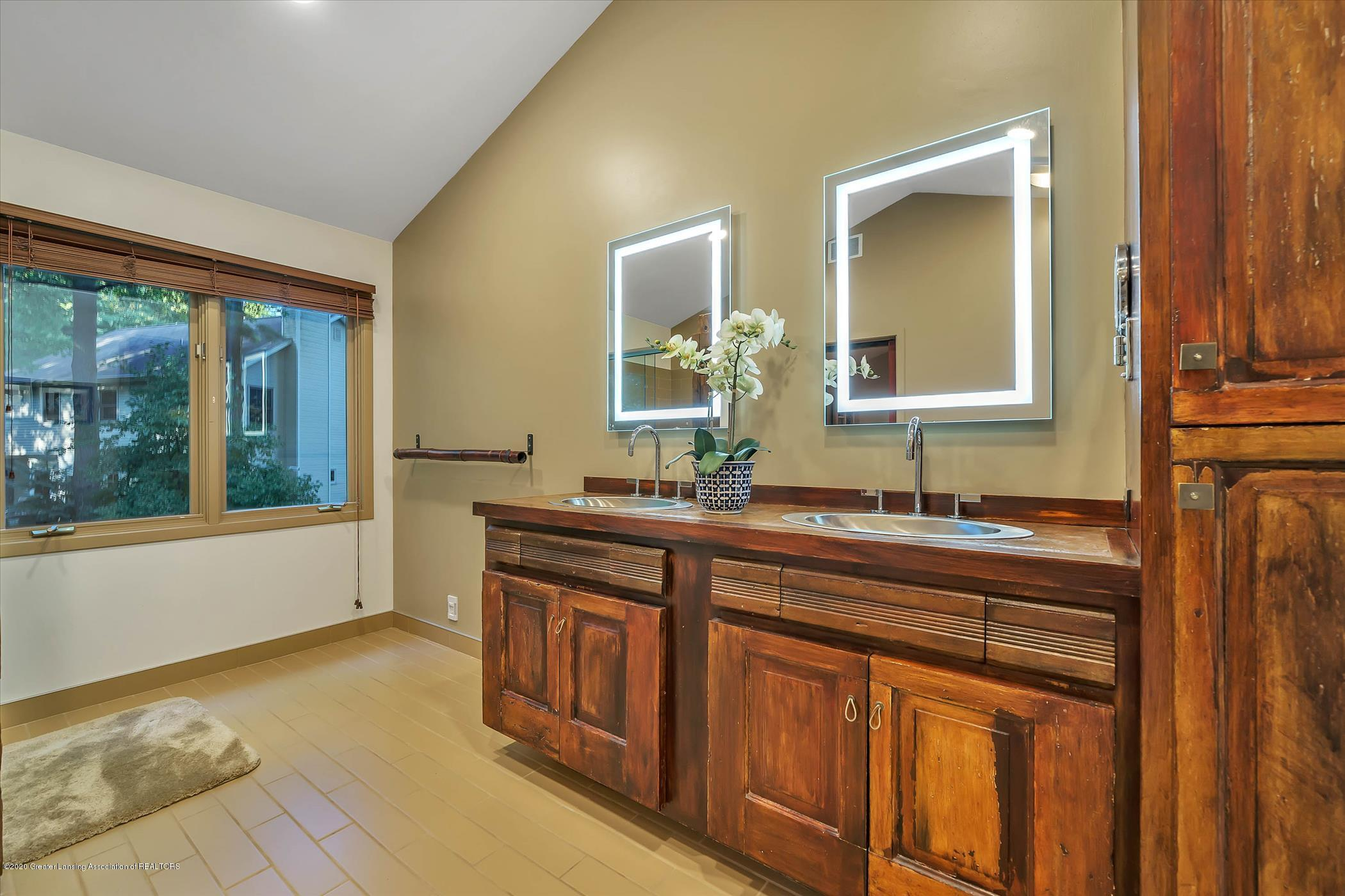 4332 Aztec Way - Owner's Suite Bath - 20