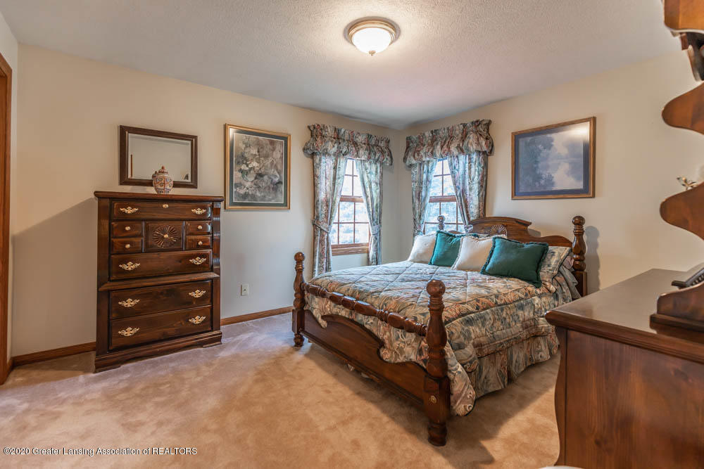 1195 W Parks Rd - parkjpegbed2 (1 of 1) - 27