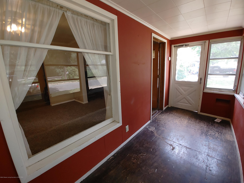 407 Bloomfield Blvd - Enclosed Porch - 19