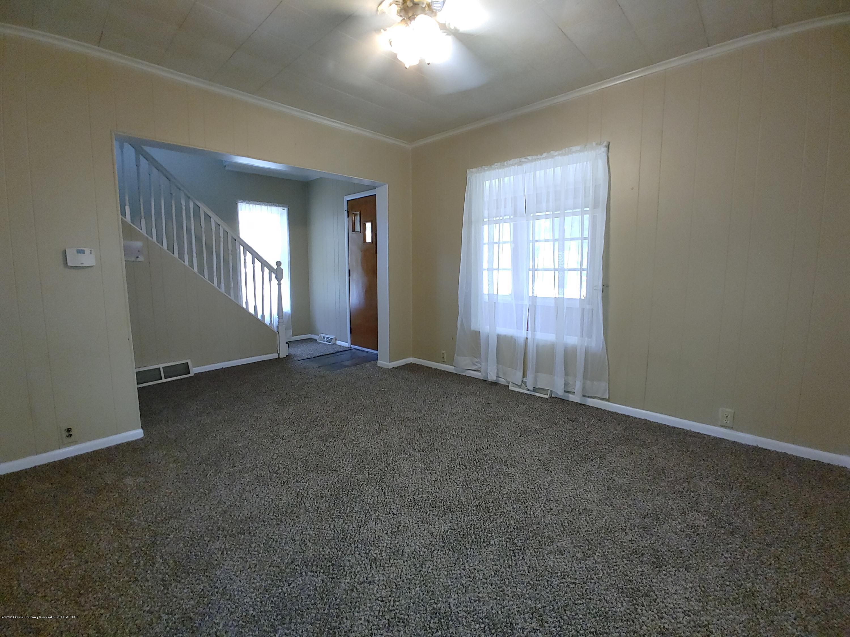 407 Bloomfield Blvd - Living Room - 2