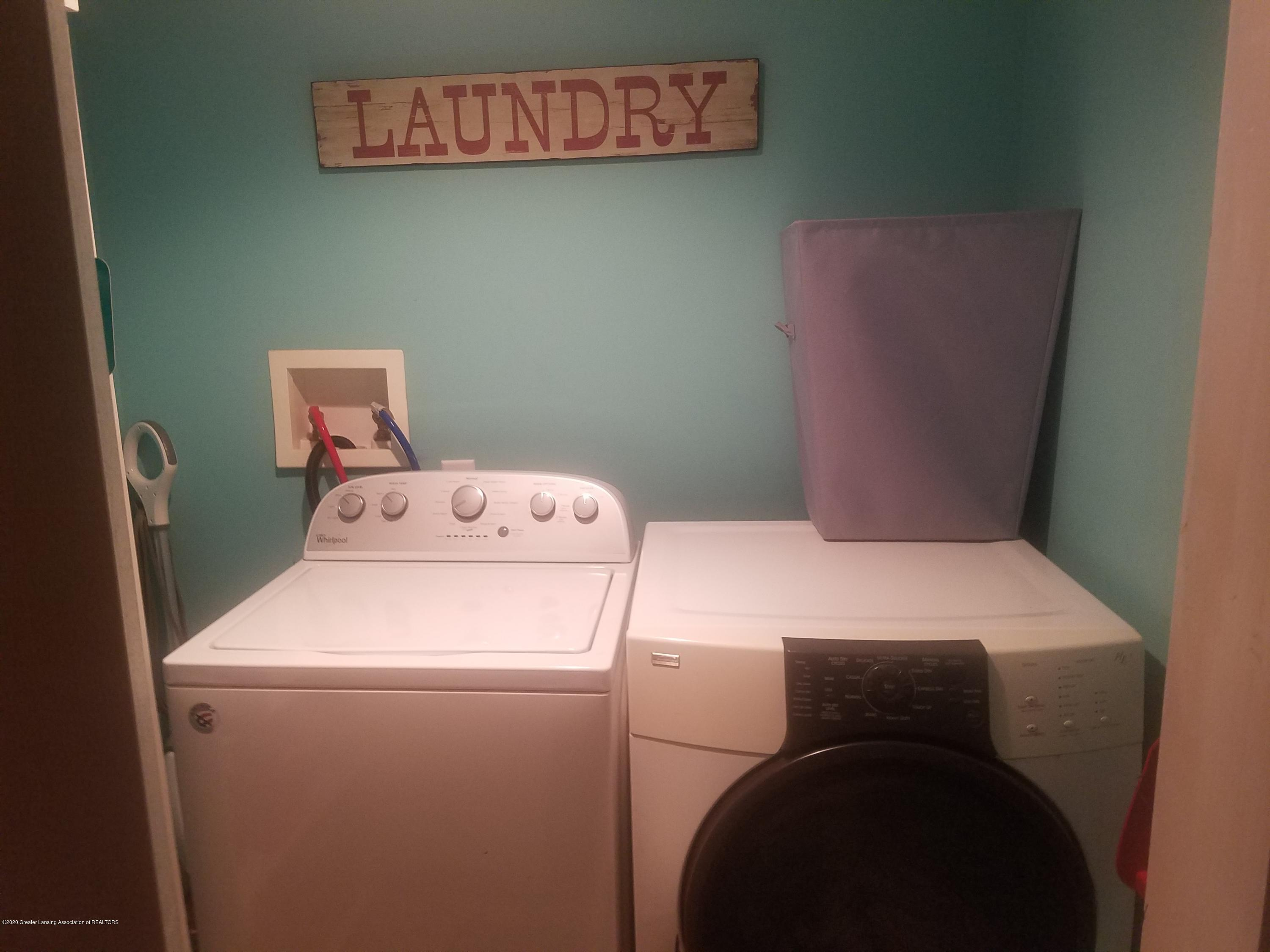607 Brook St - MAIN FLOOR LAUNDRY - 10