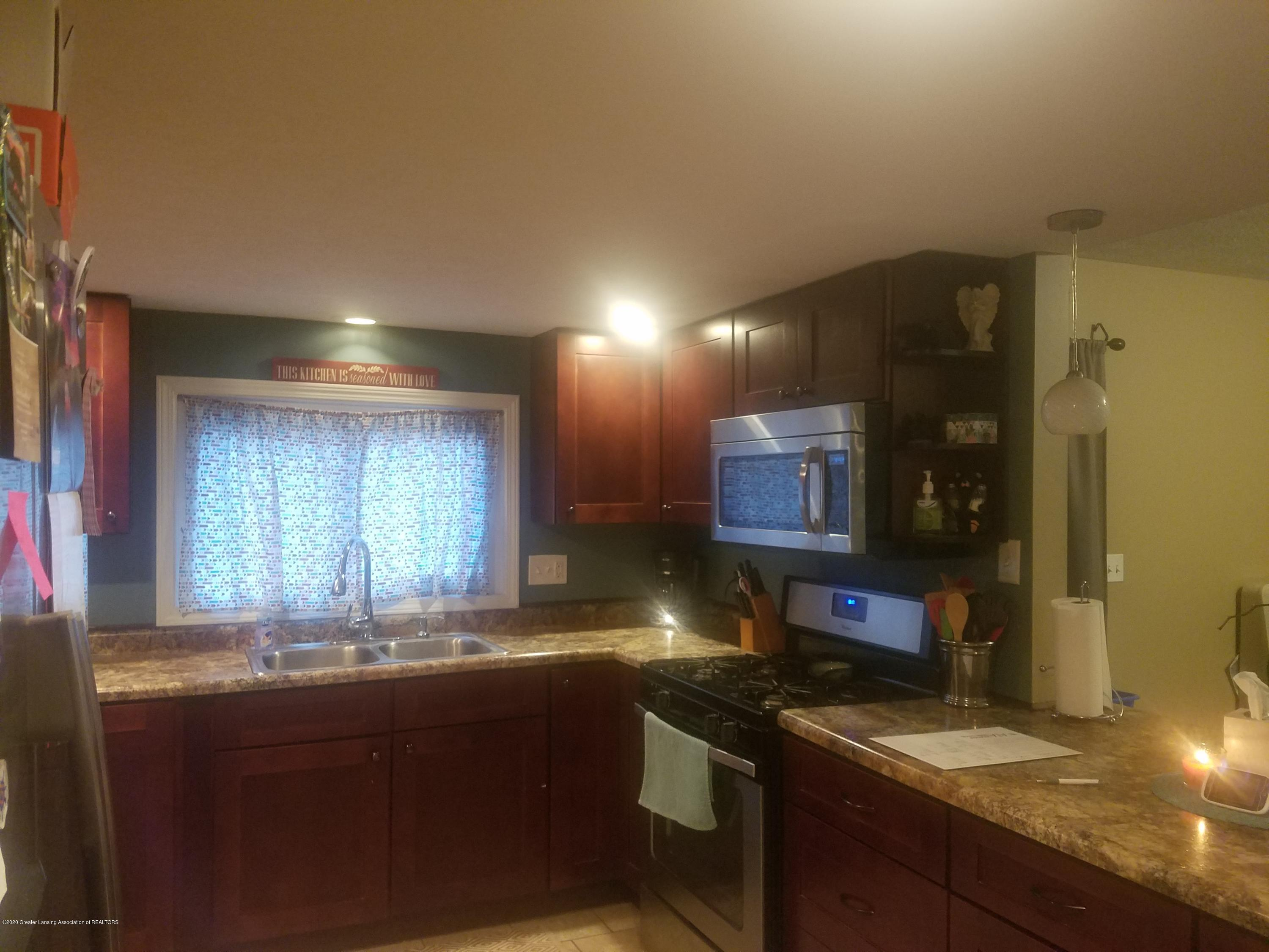 607 Brook St - KITCHEN - 17