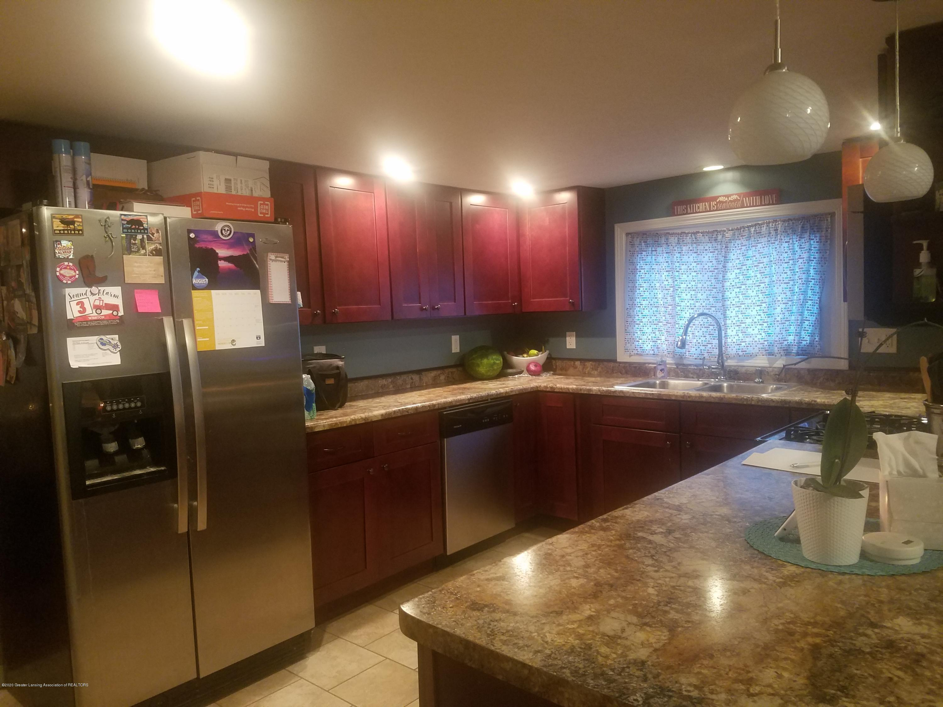 607 Brook St - KITCHEN - 18