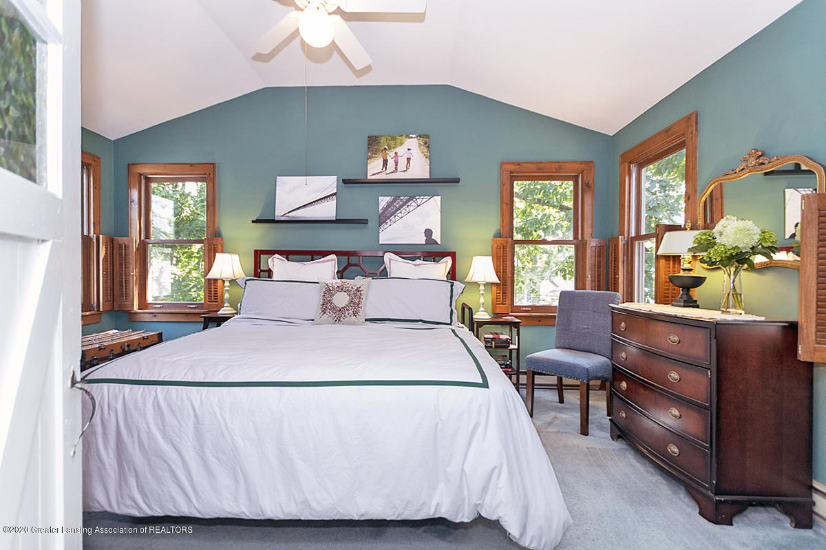 308 Chesterfield Pkwy - 2nd Flr. Main Bedroom - 16